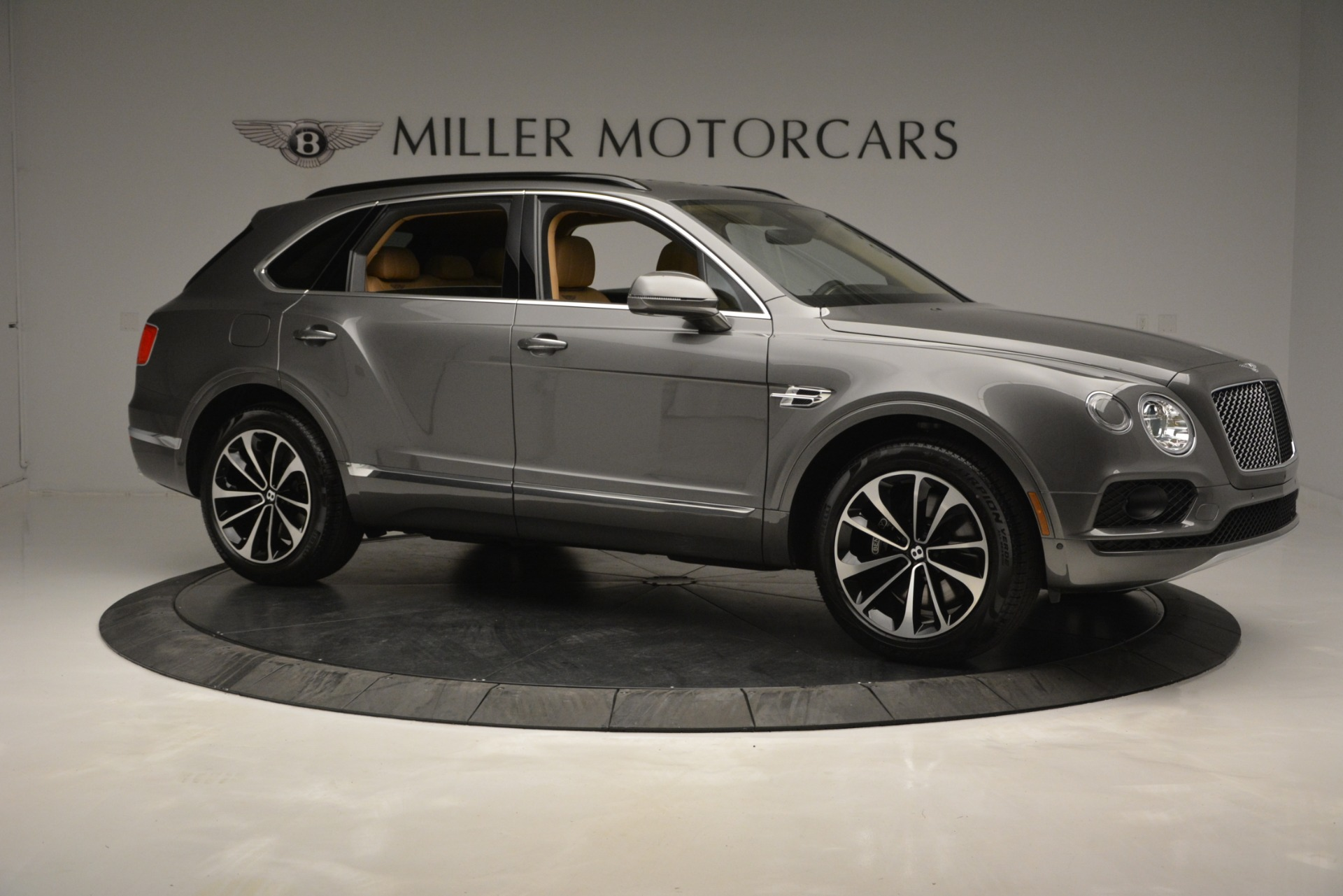 New 2019 Bentley Bentayga V8 For Sale In Westport, CT 2547_p10