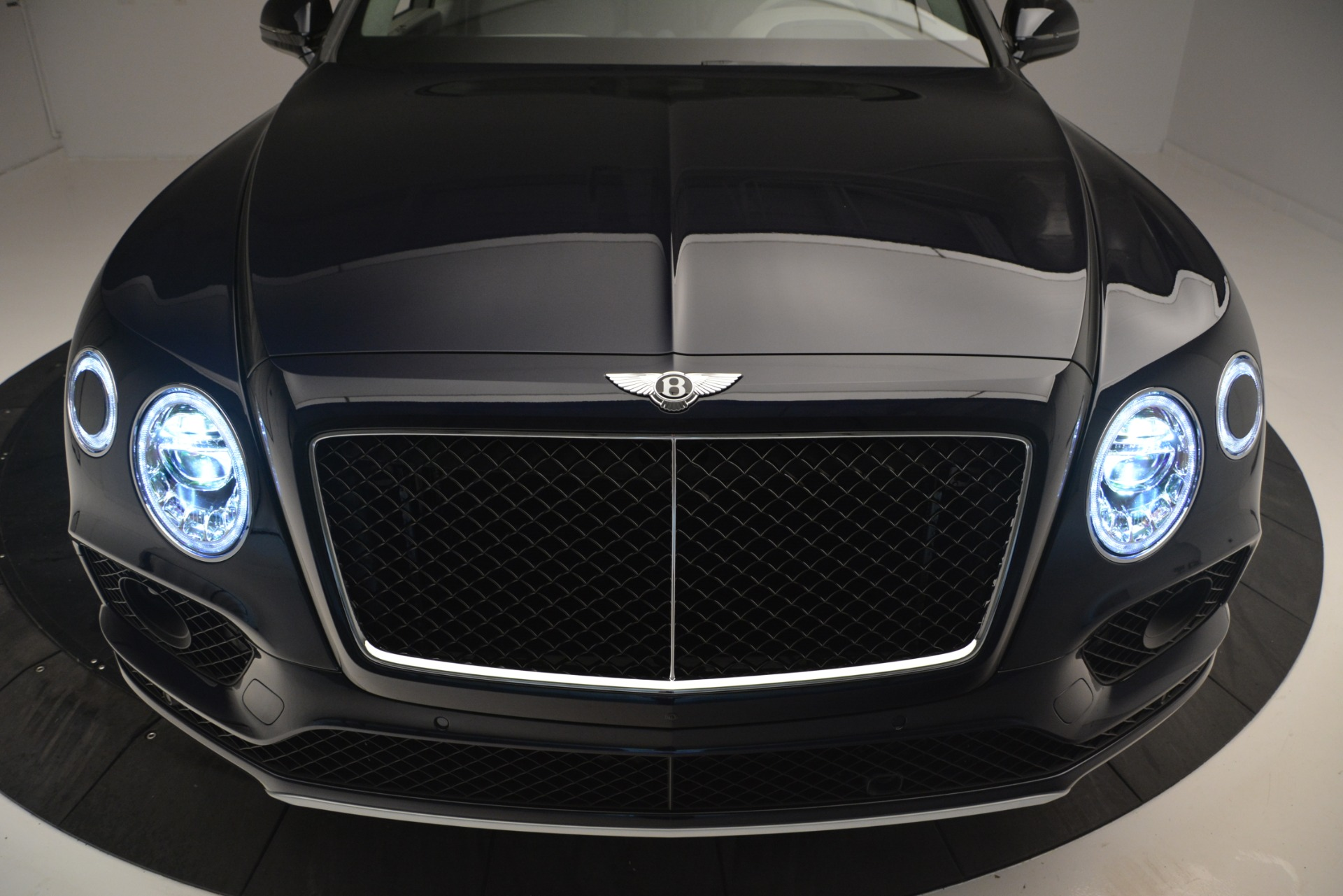 New 2019 Bentley Bentayga V8 For Sale In Westport, CT 2549_p13
