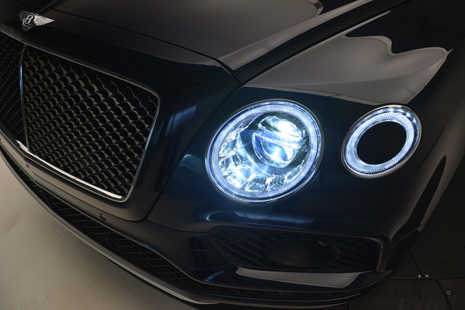 New 2019 Bentley Bentayga V8 For Sale In Westport, CT 2549_p14