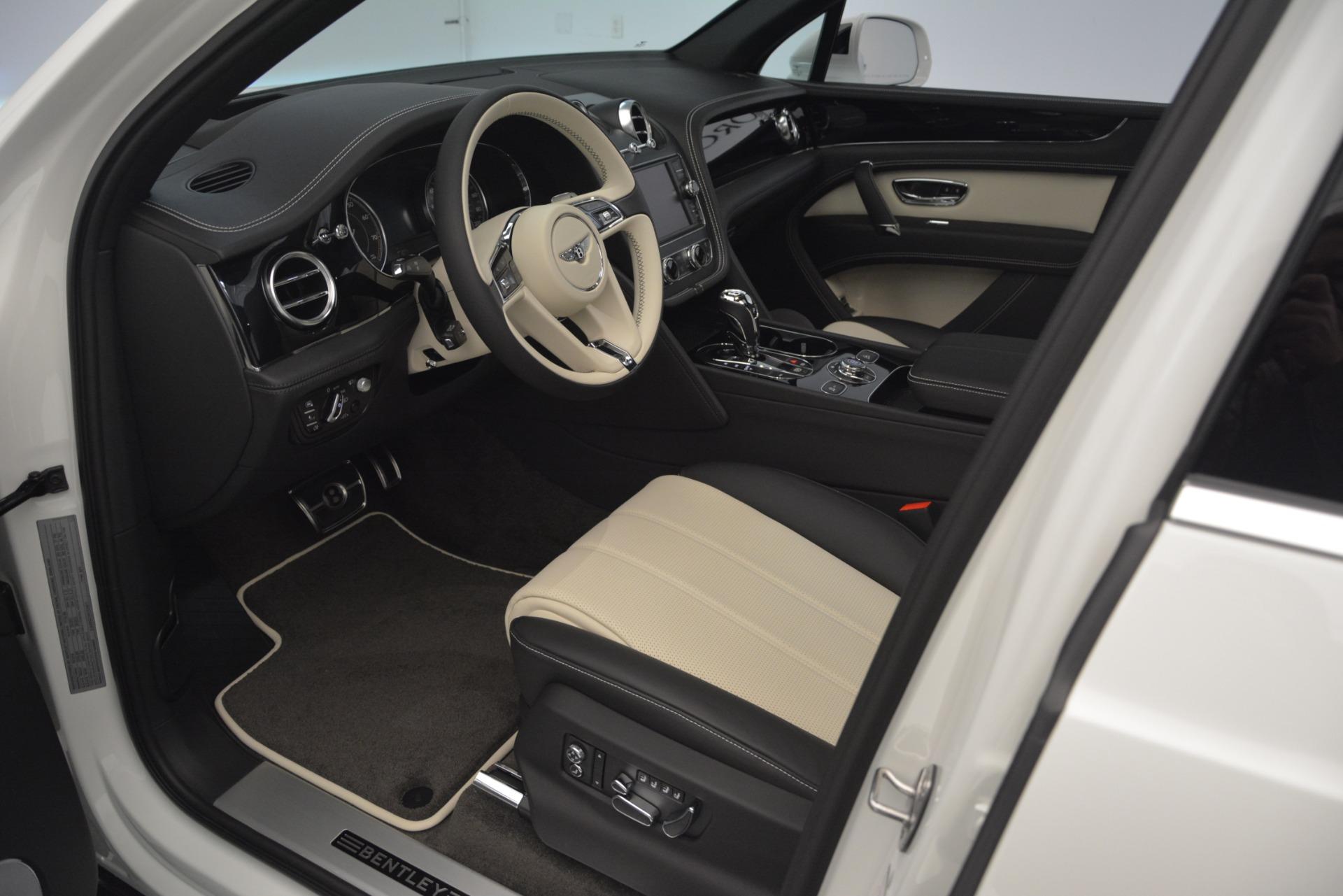 New 2019 Bentley Bentayga V8 For Sale In Westport, CT 2550_p18
