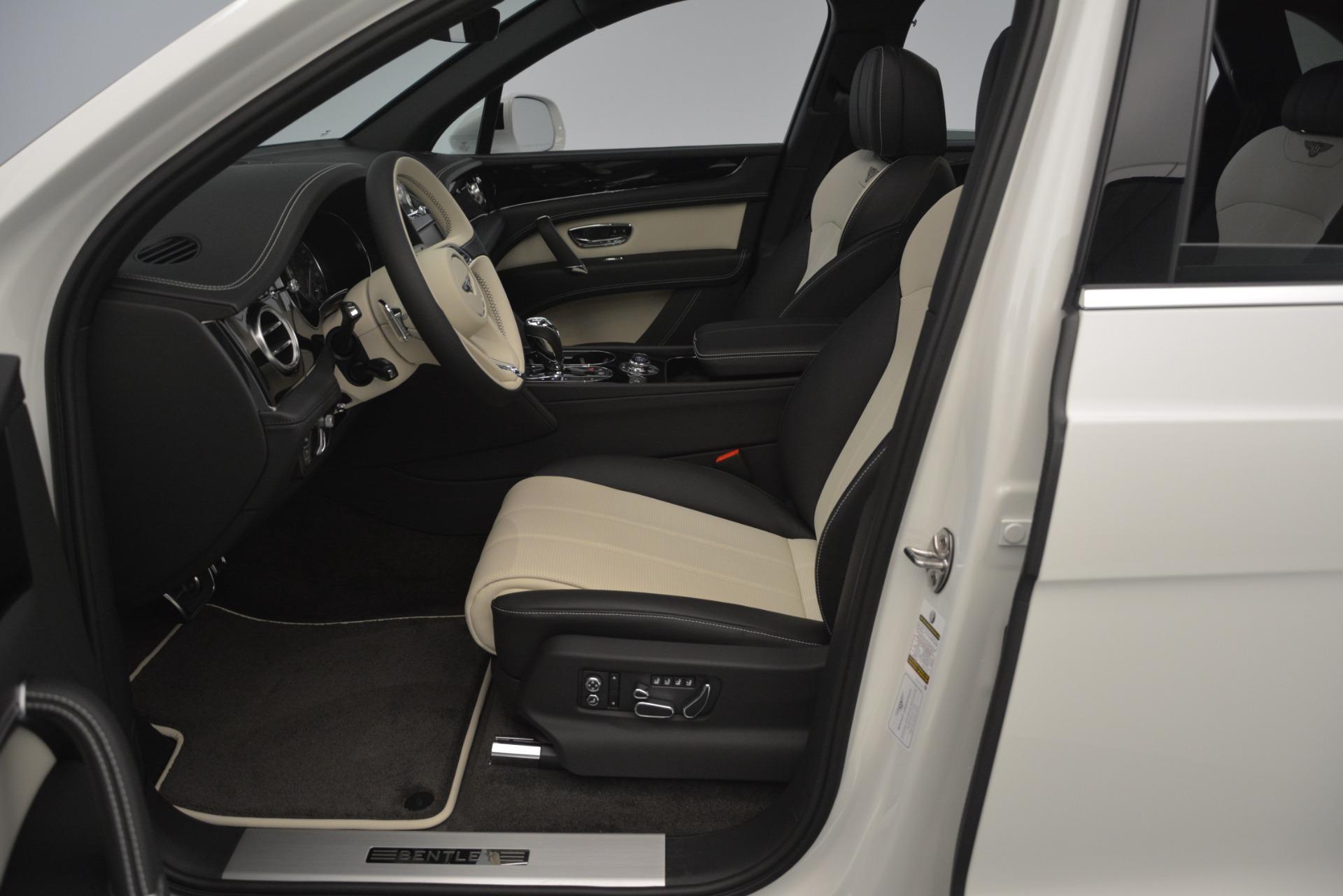 New 2019 Bentley Bentayga V8 For Sale In Westport, CT 2550_p19