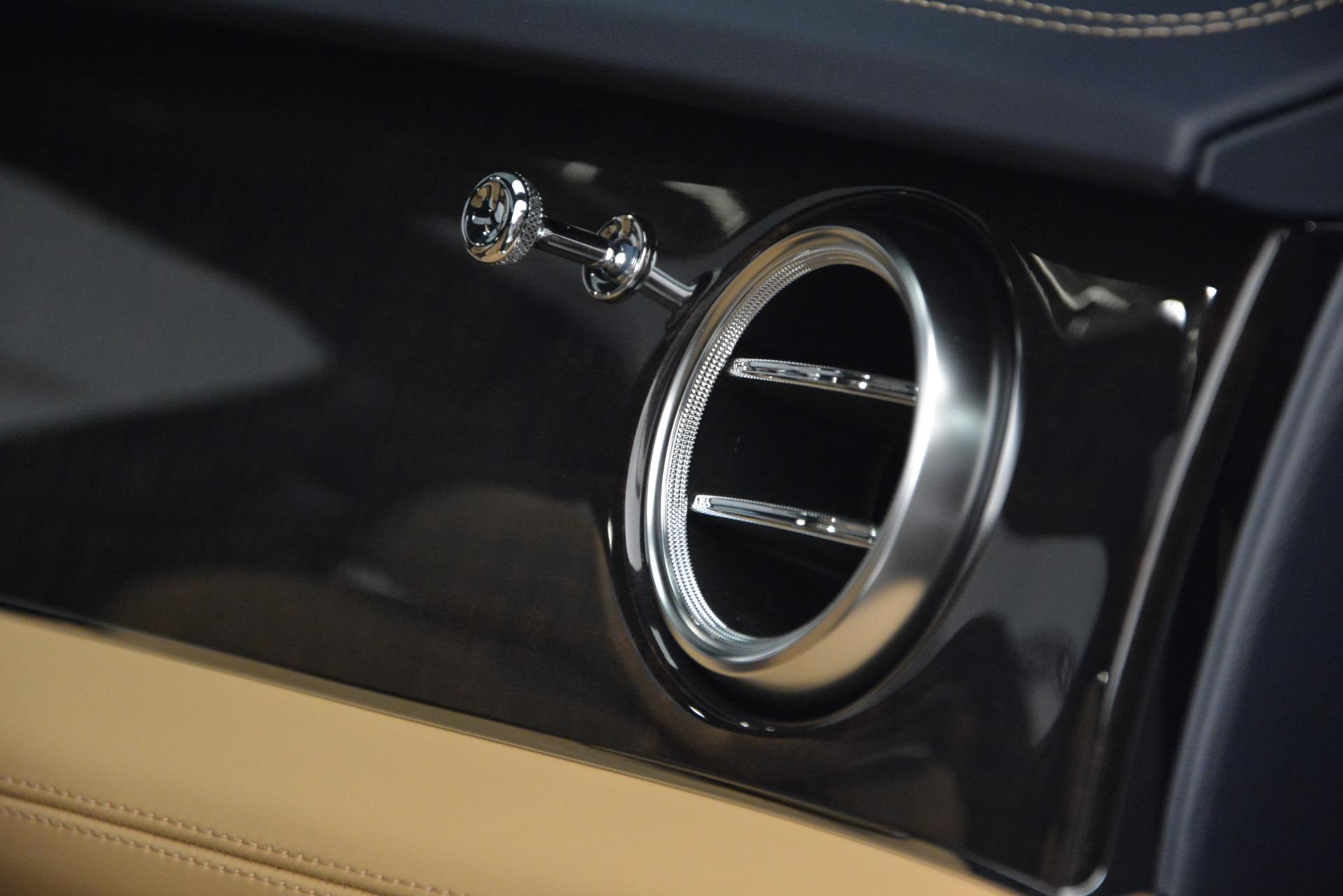 New 2019 Bentley Bentayga V8 For Sale In Westport, CT 2551_p21