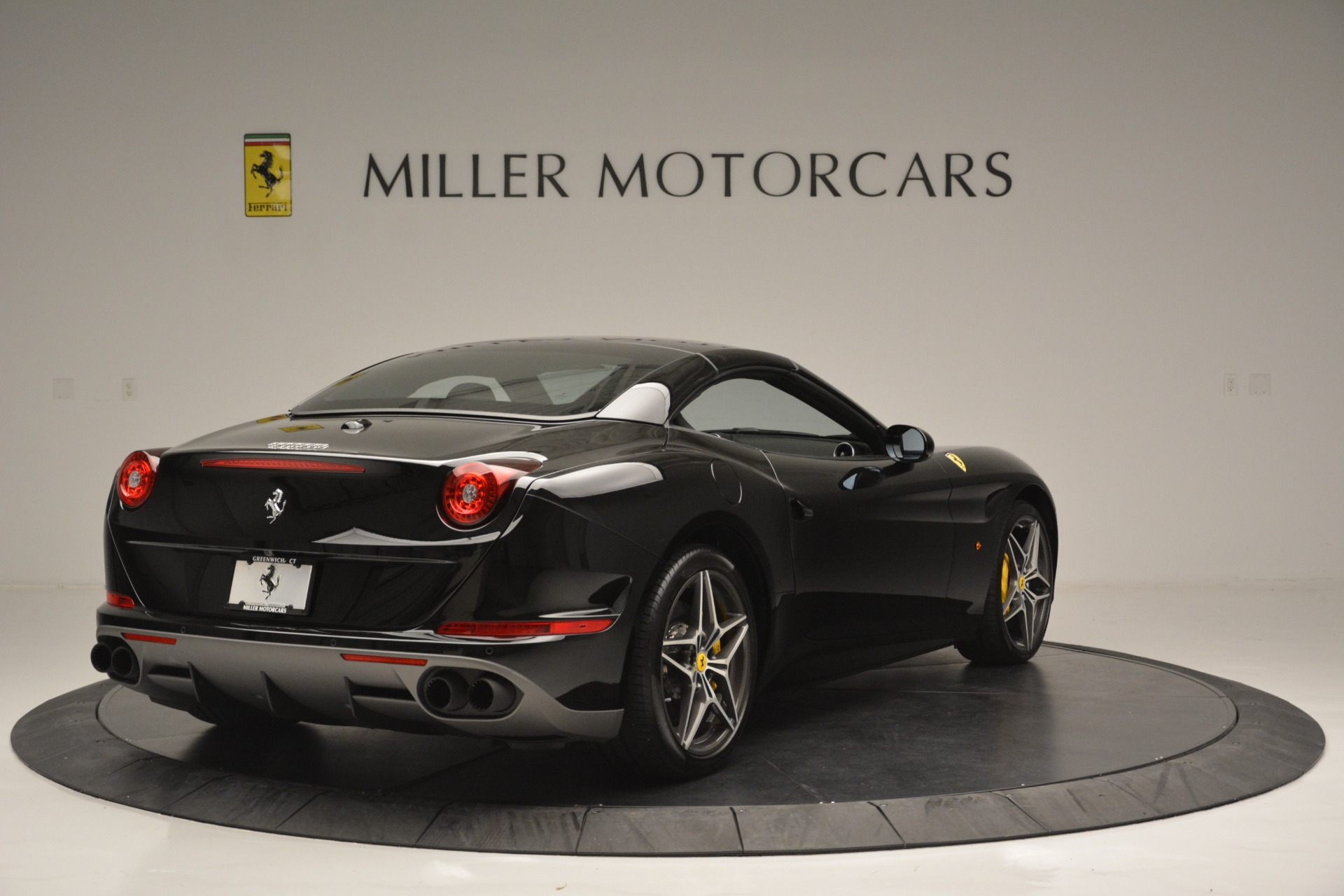 Used 2017 Ferrari California T Handling Speciale For Sale In Westport, CT 2554_p19