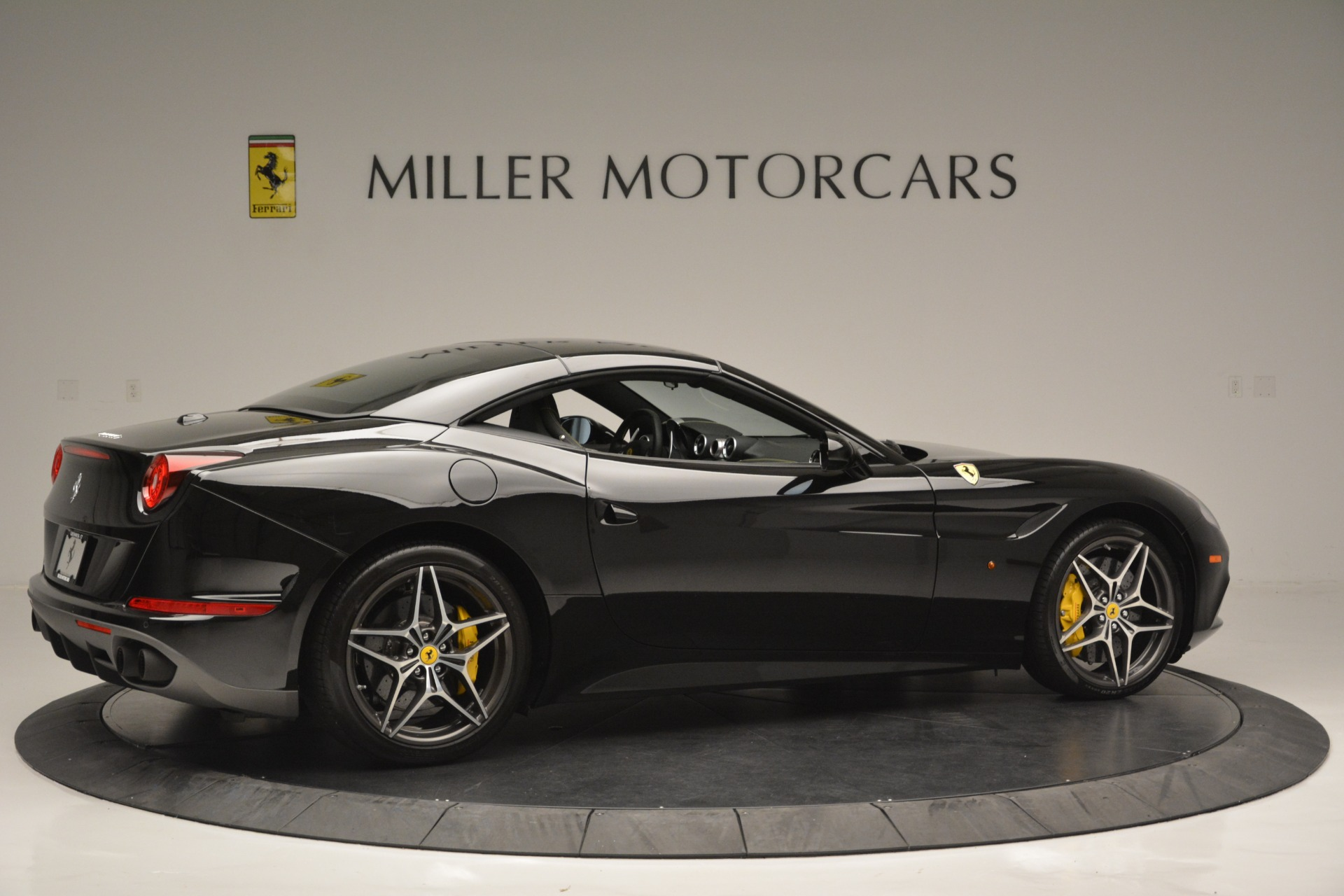 Used 2017 Ferrari California T Handling Speciale For Sale In Westport, CT 2554_p20