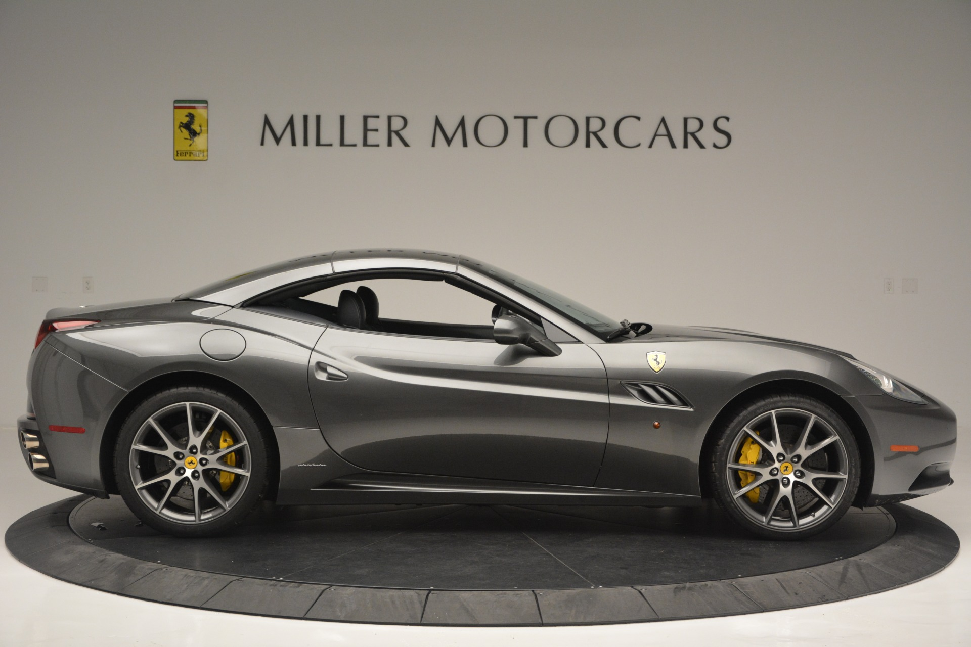 Used 2013 Ferrari California 30 For Sale In Westport, CT 2559_p21