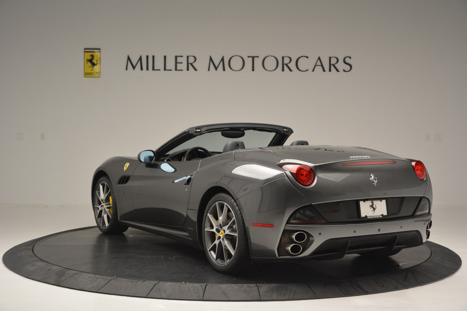 Used 2013 Ferrari California 30 For Sale In Westport, CT 2559_p5