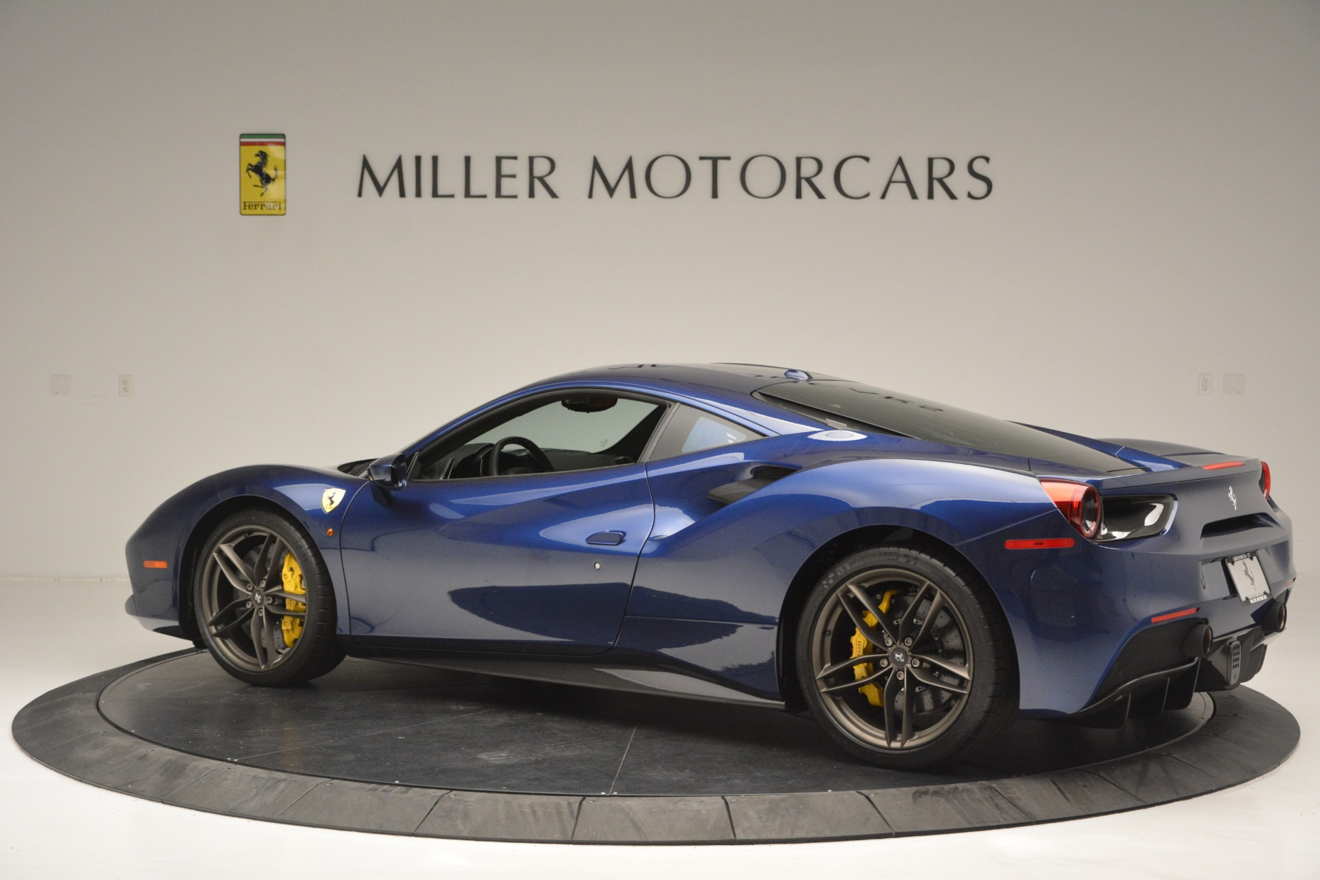 Used 2018 Ferrari 488 GTB  For Sale In Westport, CT 2560_p4