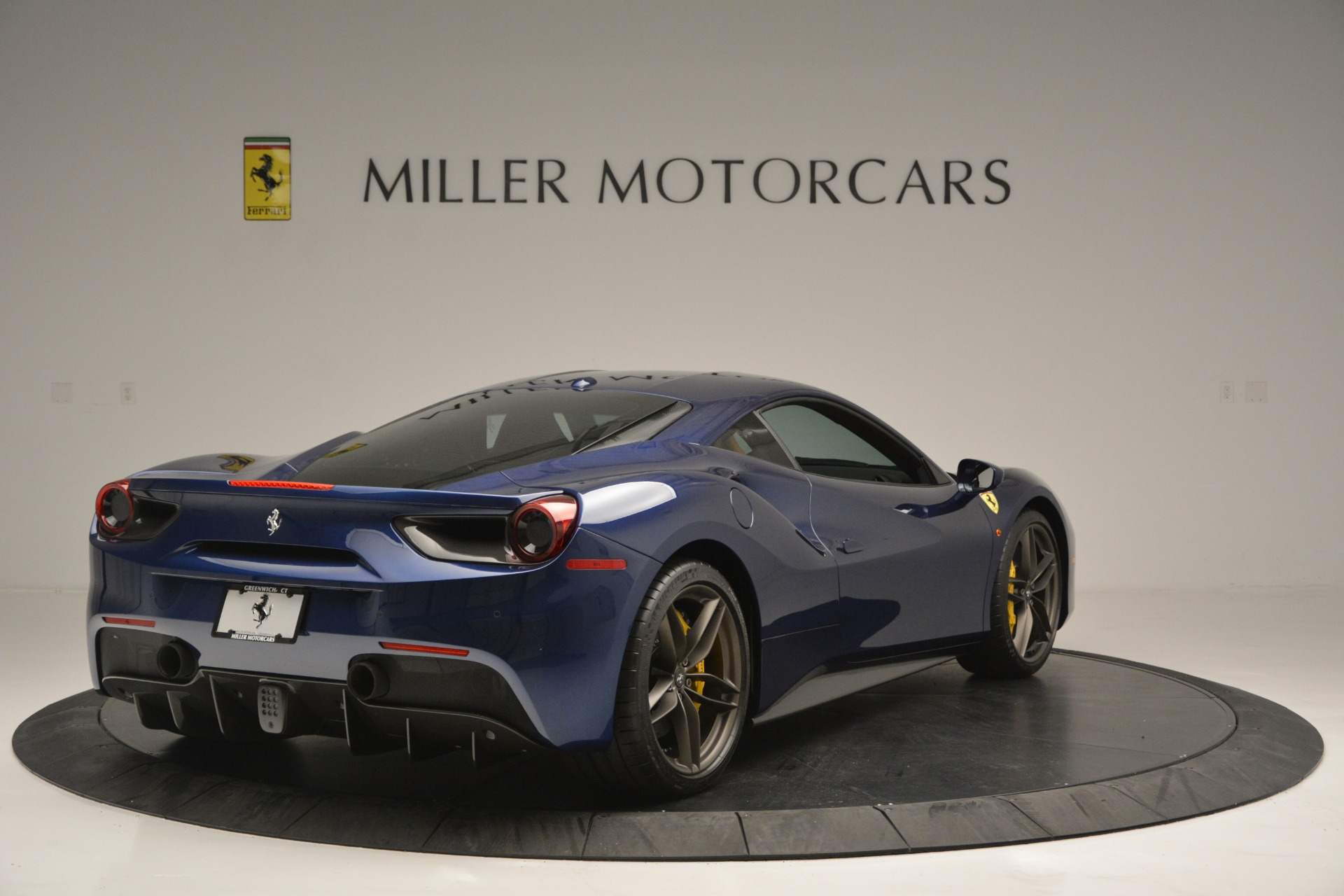 Used 2018 Ferrari 488 GTB  For Sale In Westport, CT 2560_p7