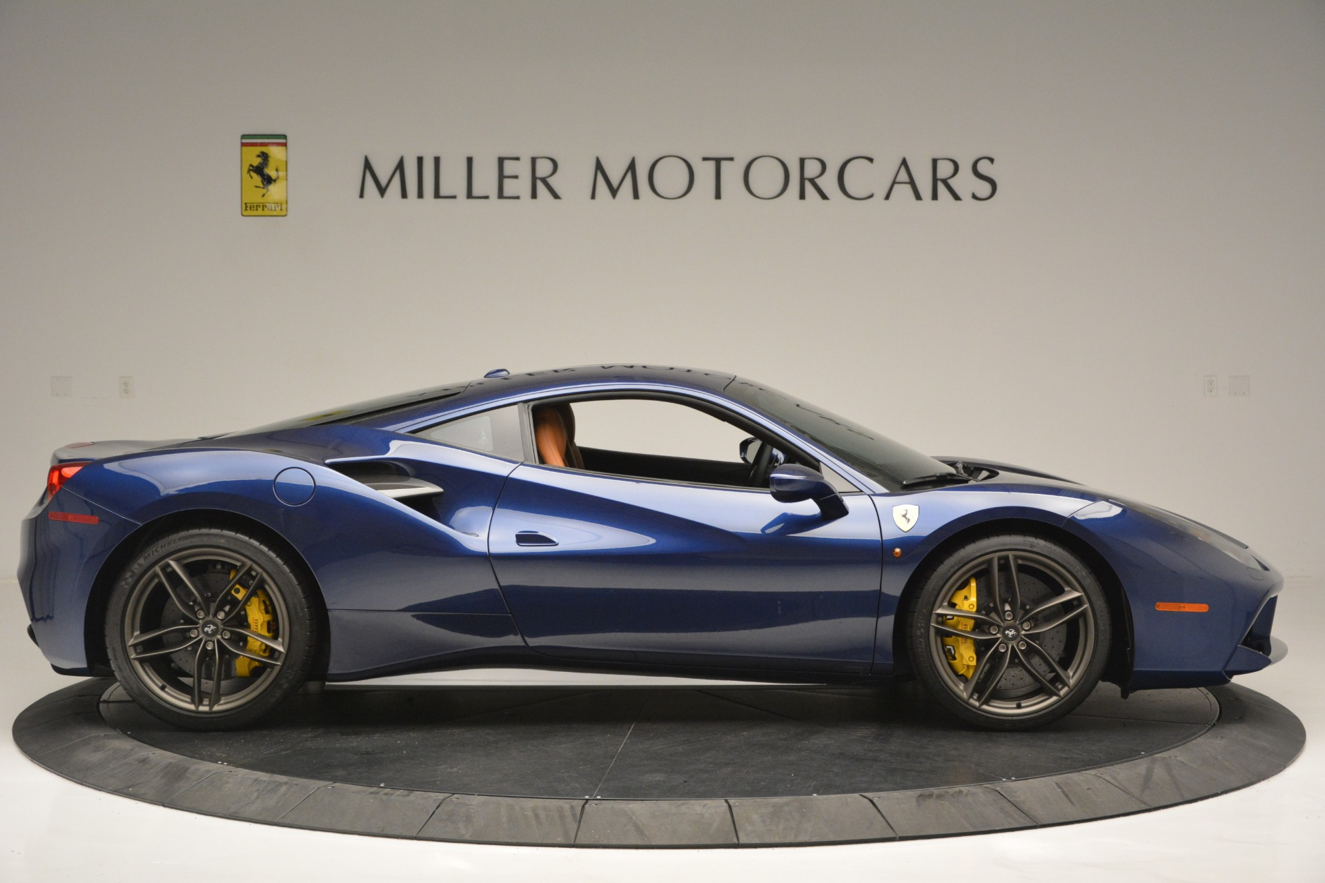 Used 2018 Ferrari 488 GTB  For Sale In Westport, CT 2560_p9