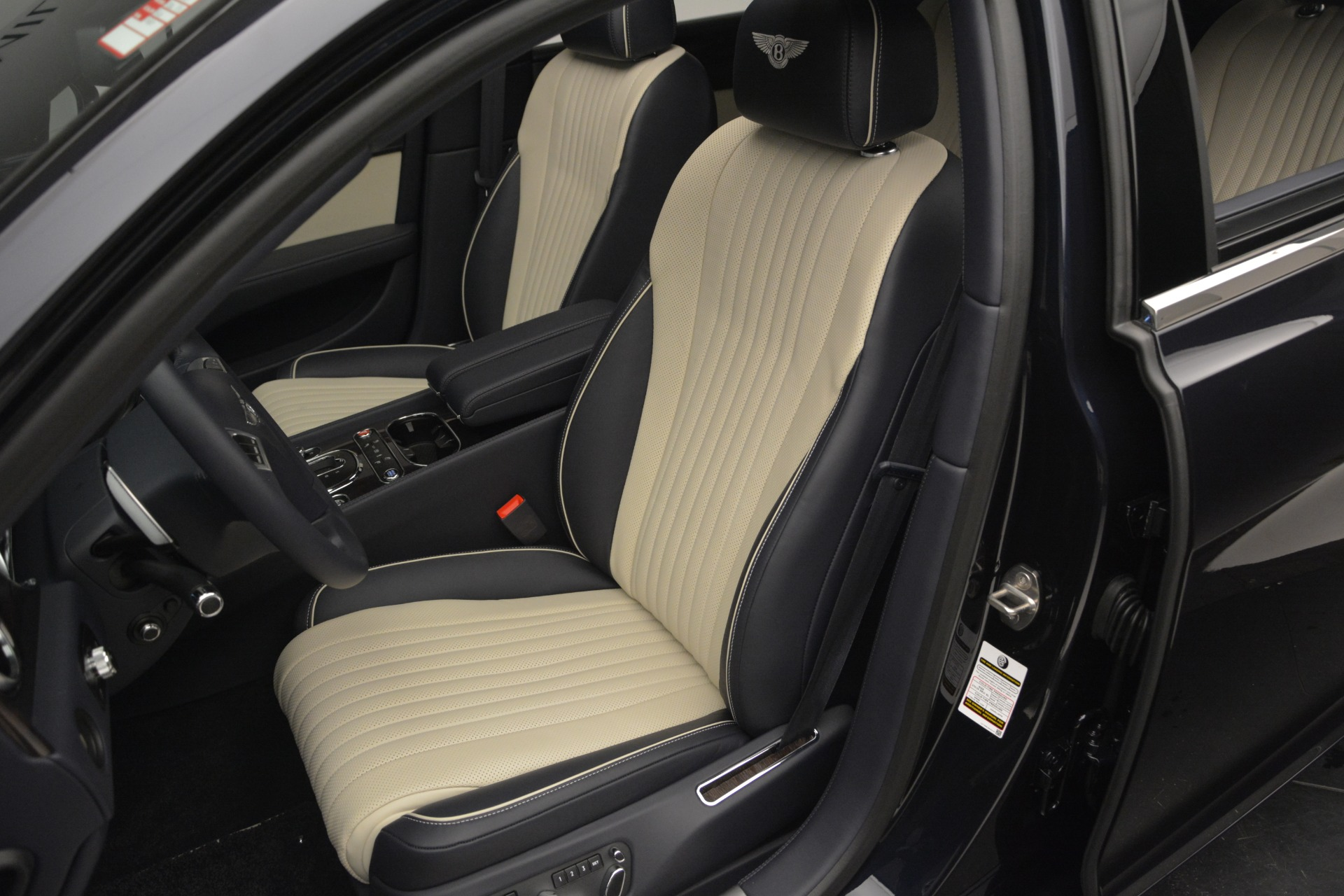New 2018 Bentley Flying Spur V8 For Sale In Westport, CT 2572_p18