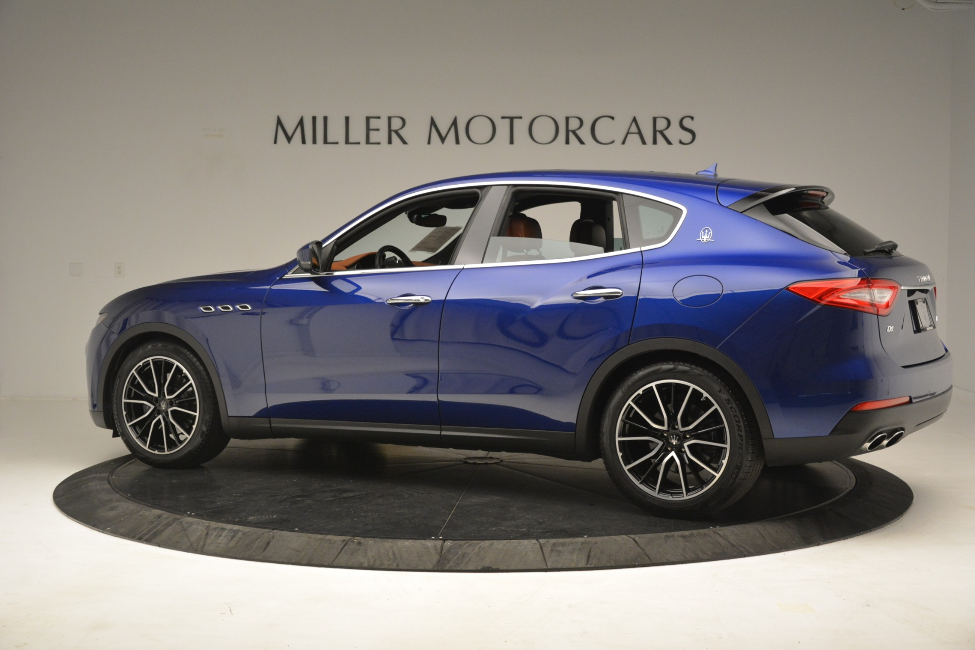 Used 2018 Maserati Levante Q4 For Sale In Westport, CT 2575_p4