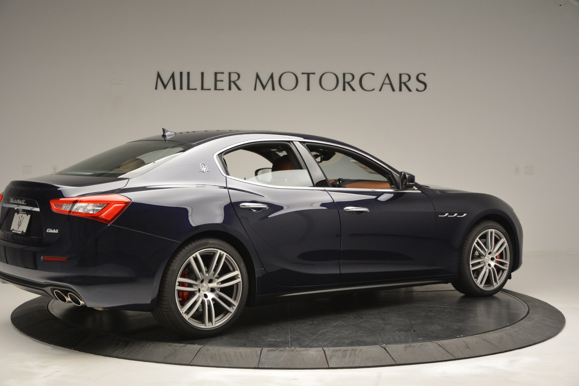 Used 2019 Maserati Ghibli S Q4 For Sale In Westport, CT 2585_p8