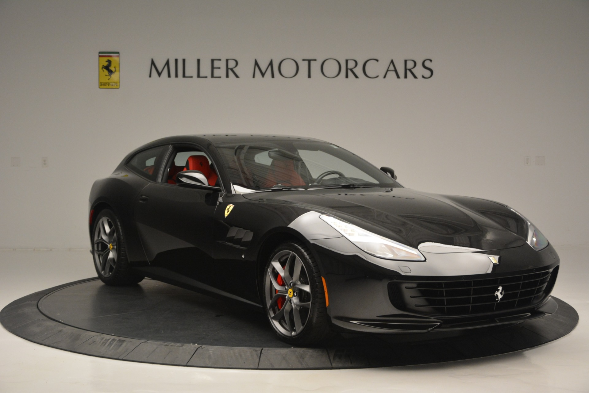 Used 2018 Ferrari GTC4Lusso T  For Sale In Westport, CT 2598_p11