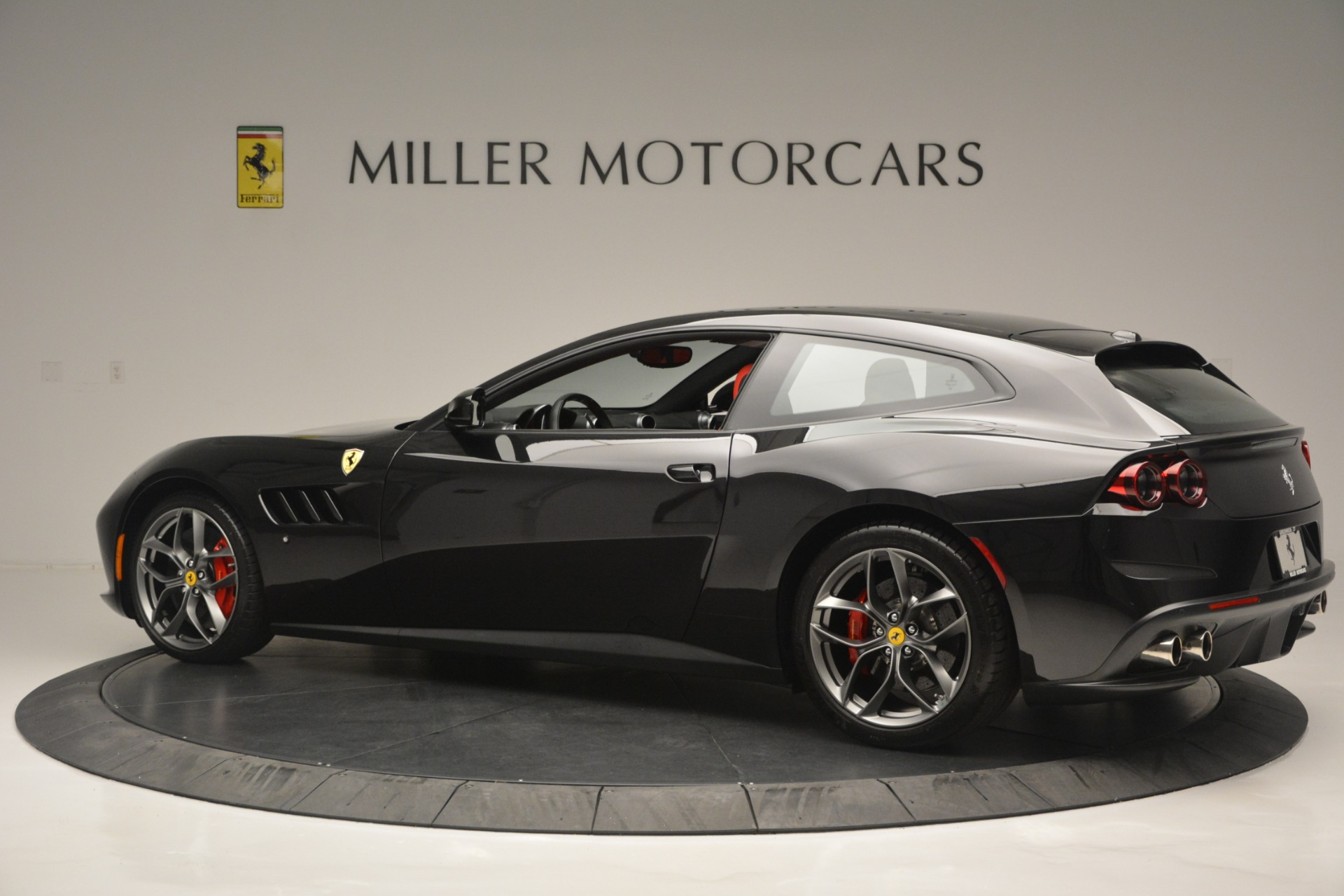 Used 2018 Ferrari GTC4Lusso T  For Sale In Westport, CT 2598_p4