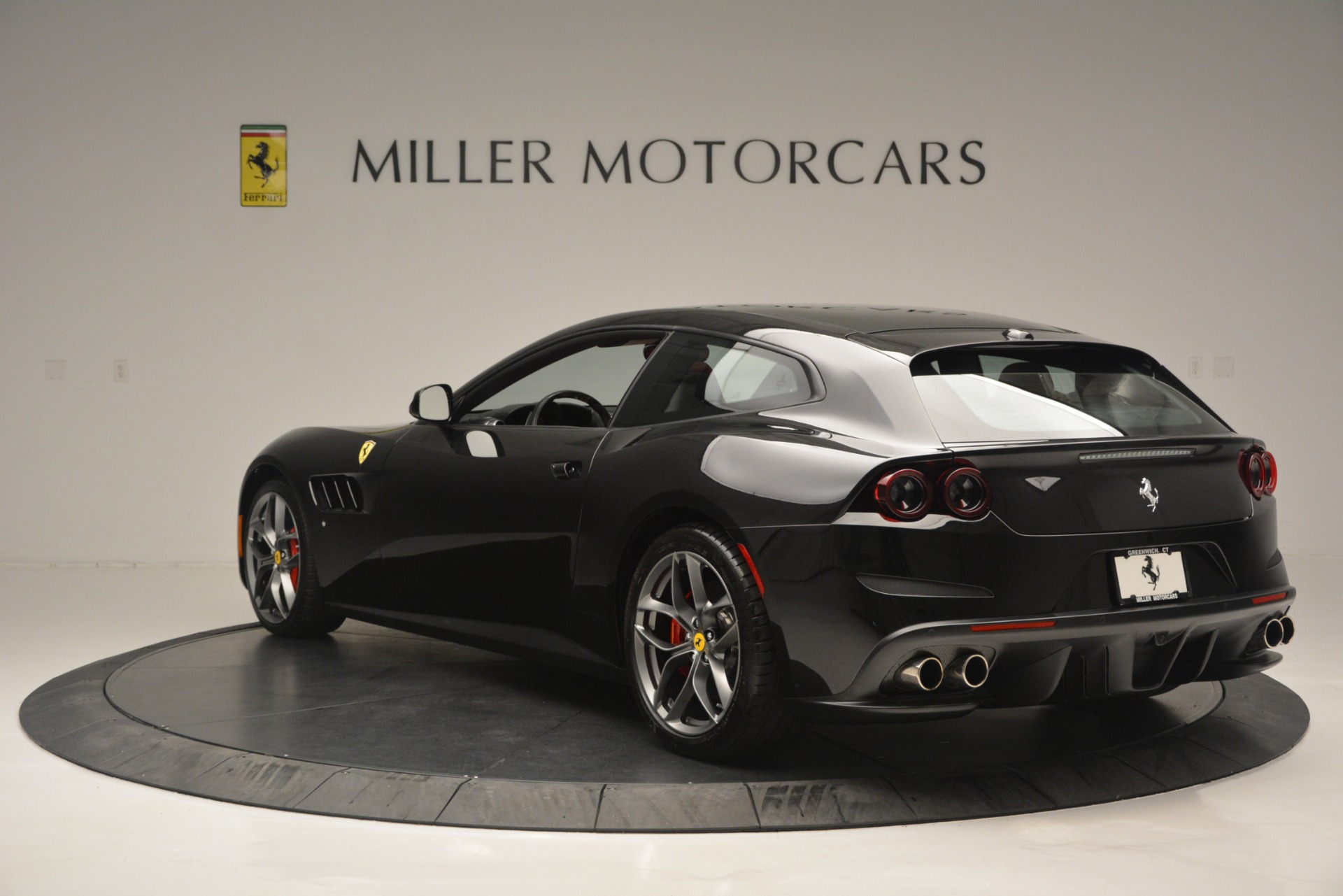 Used 2018 Ferrari GTC4Lusso T  For Sale In Westport, CT 2598_p5