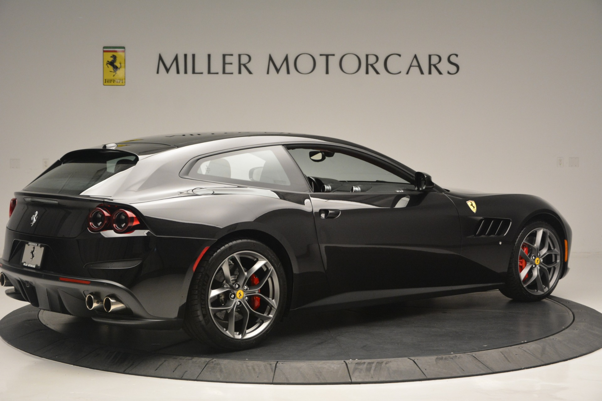 Used 2018 Ferrari GTC4Lusso T  For Sale In Westport, CT 2598_p8