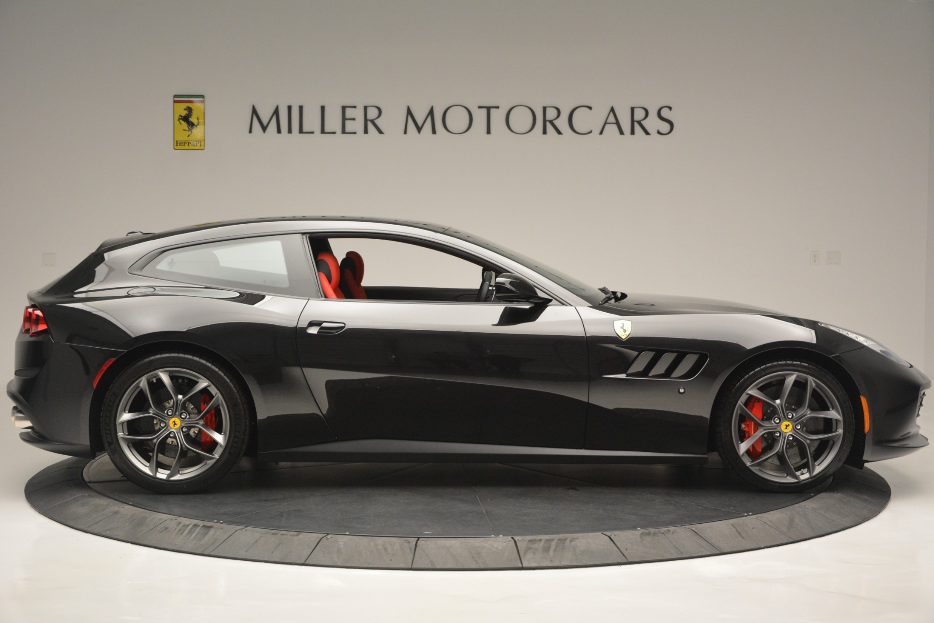 Used 2018 Ferrari GTC4Lusso T  For Sale In Westport, CT 2598_p9