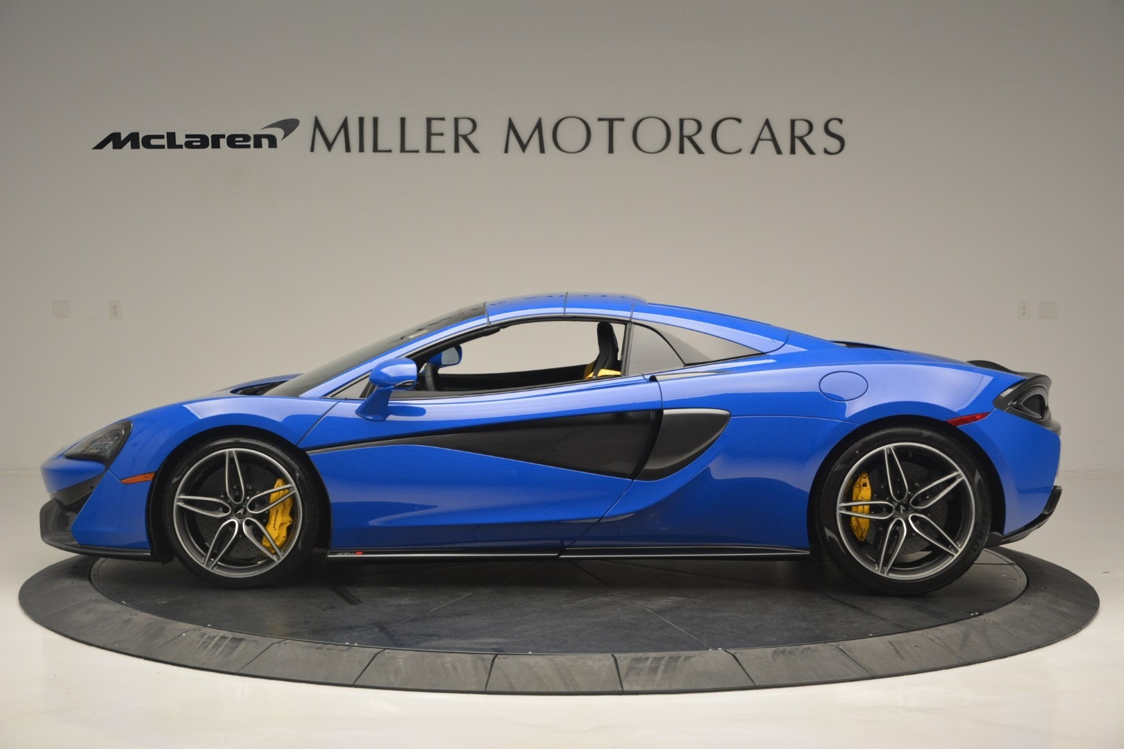 New 2019 McLaren 570S Spider Convertible For Sale In Westport, CT 2599_p16