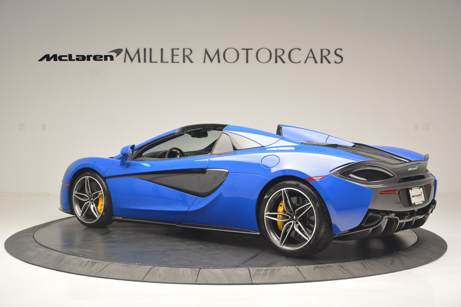 New 2019 McLaren 570S Spider Convertible For Sale In Westport, CT 2599_p4