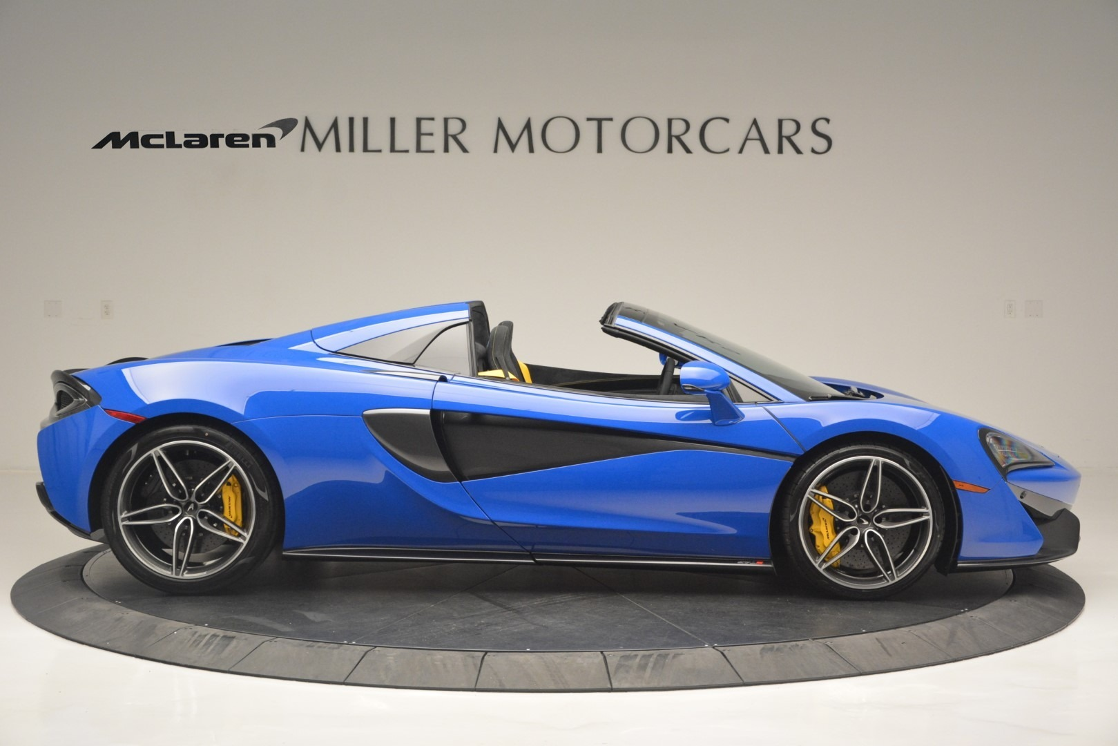 New 2019 McLaren 570S Spider Convertible For Sale In Westport, CT 2599_p9