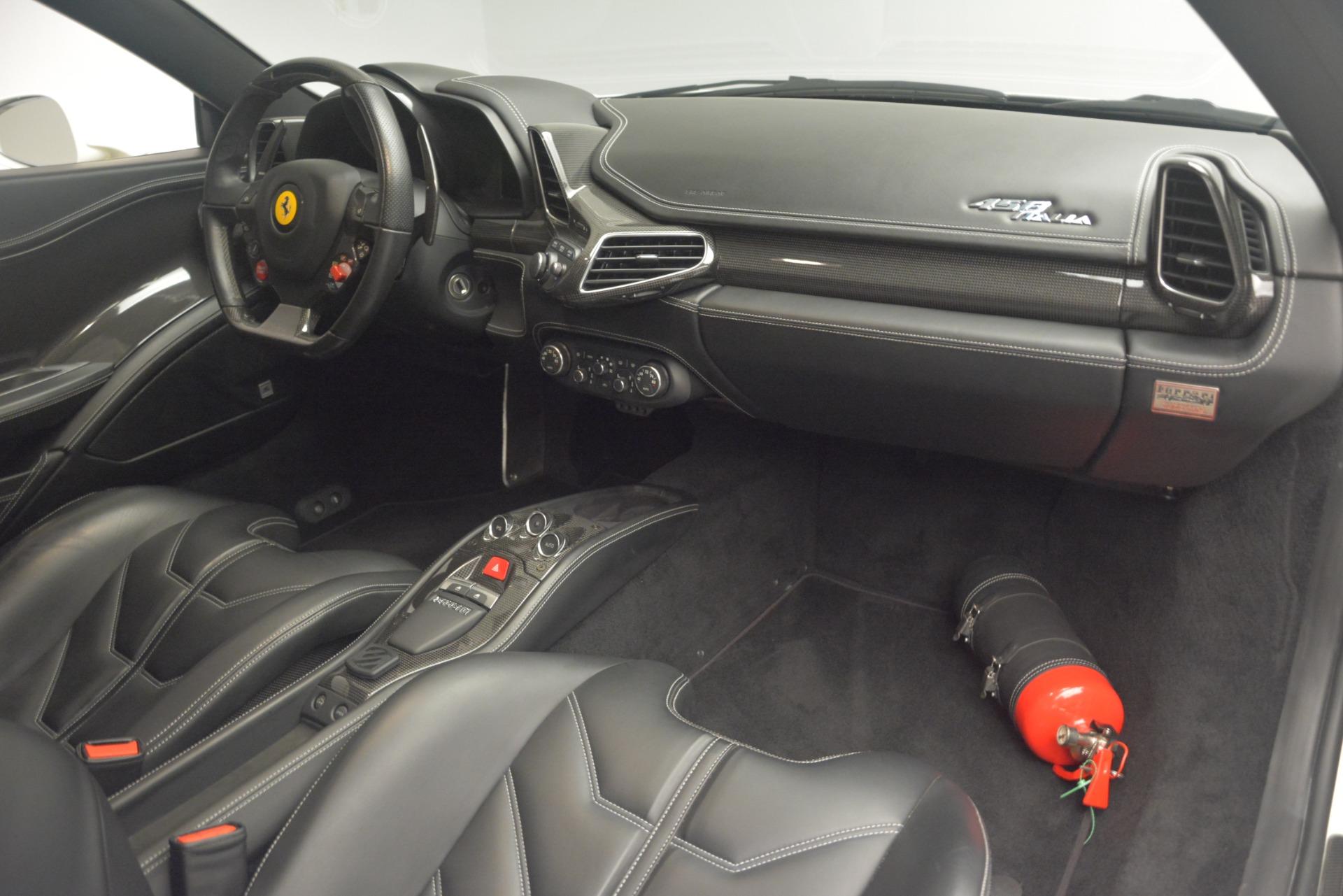 Used 2010 Ferrari 458 Italia  For Sale In Westport, CT 2602_p17