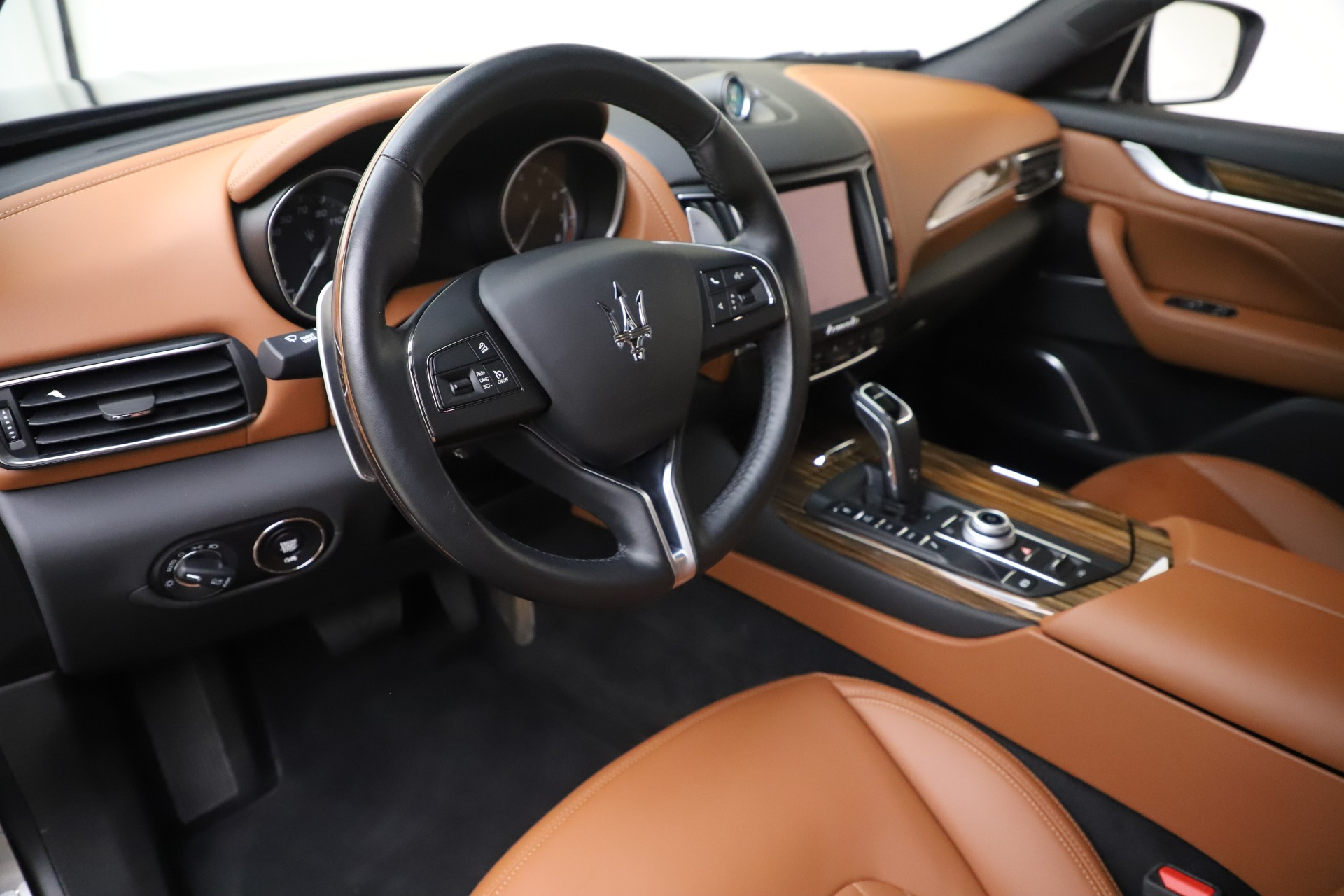 Used 2019 Maserati Levante Q4 GranLusso For Sale In Westport, CT 2616_p13