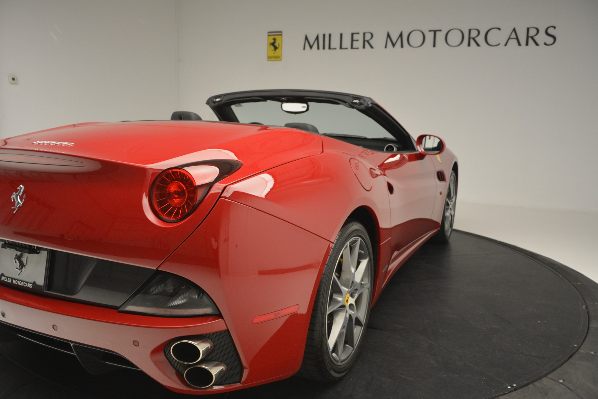 Used 2011 Ferrari California  For Sale In Westport, CT 2618_p34
