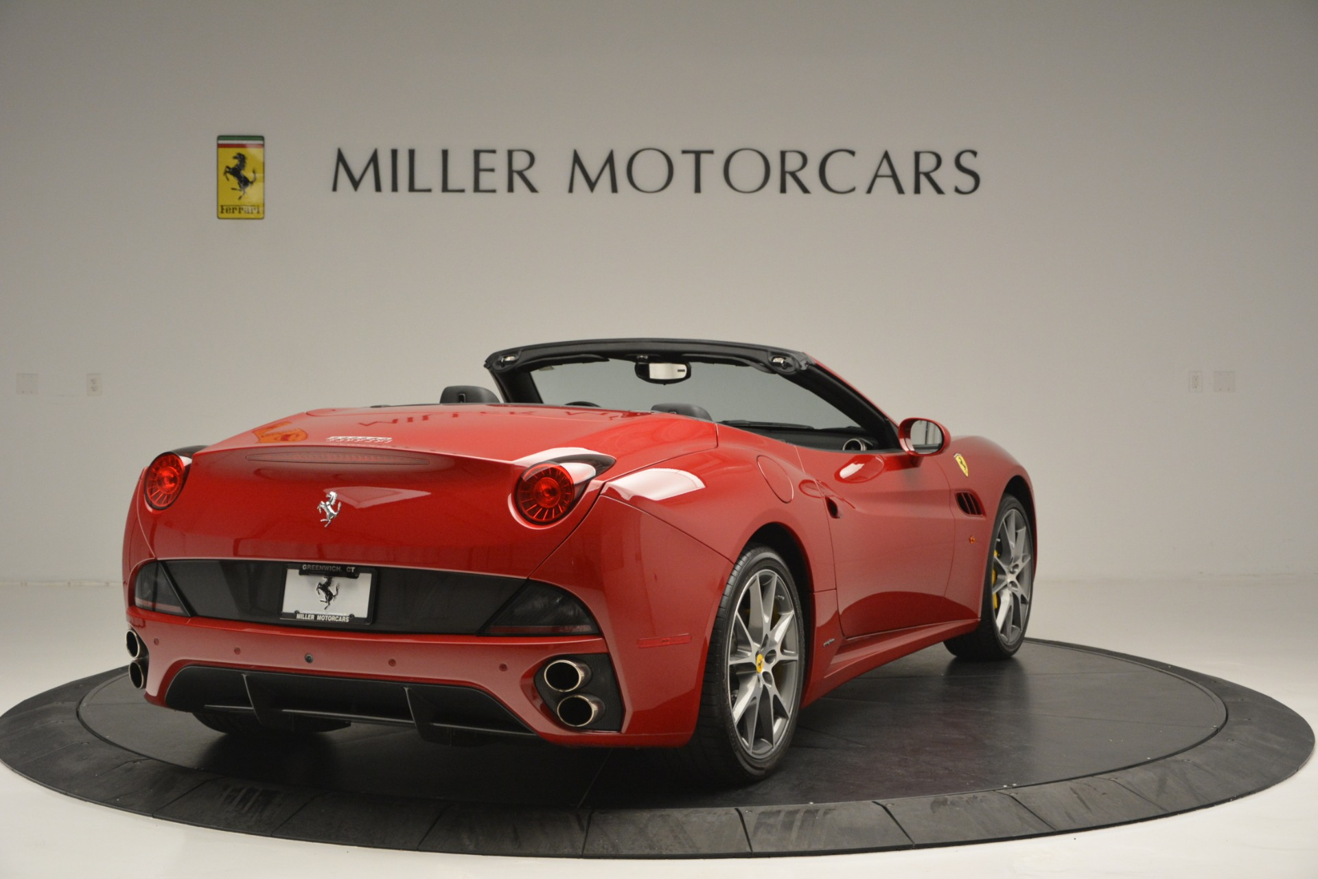Used 2011 Ferrari California  For Sale In Westport, CT 2618_p8