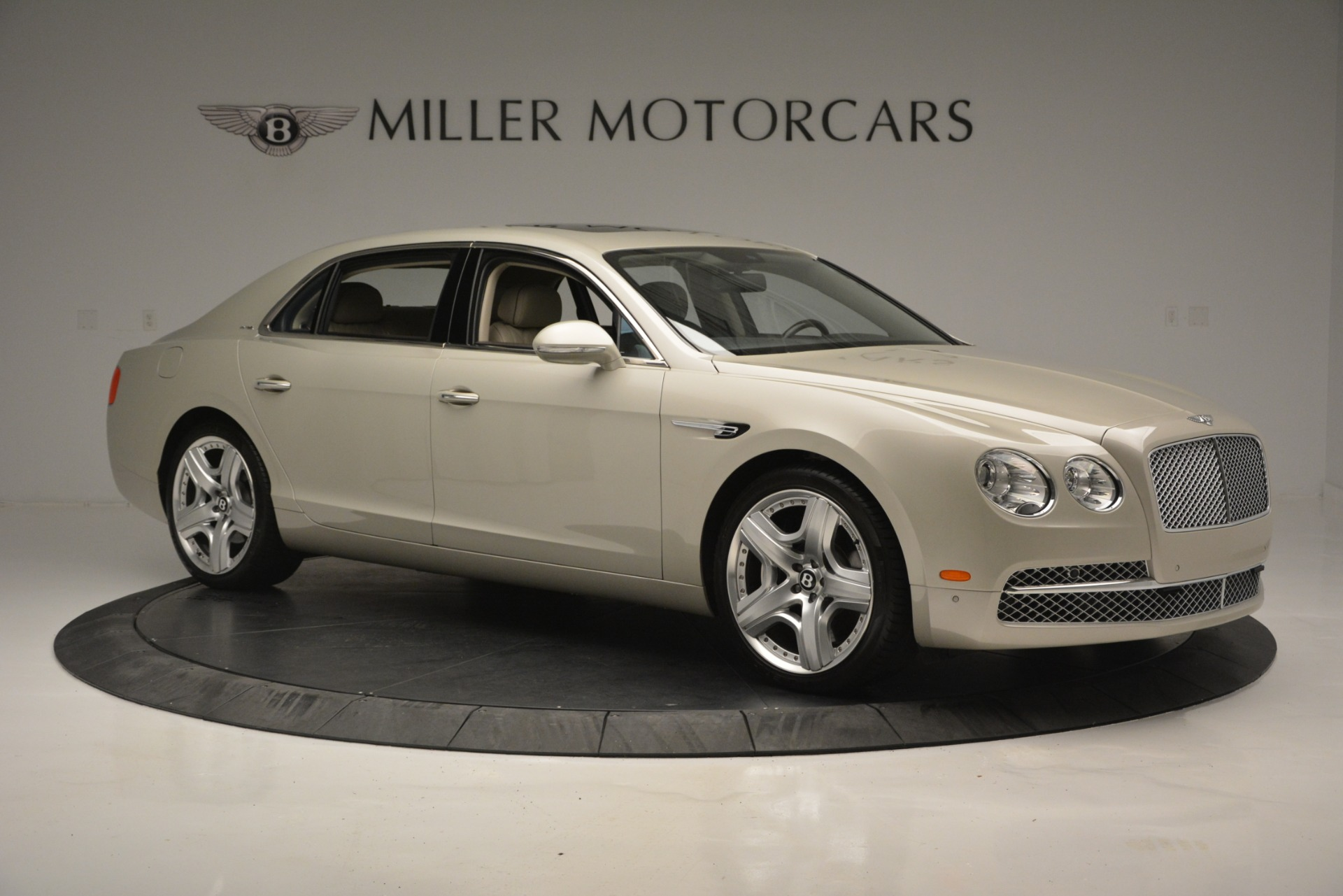 Used 2014 Bentley Flying Spur W12 For Sale In Westport, CT 2624_p10