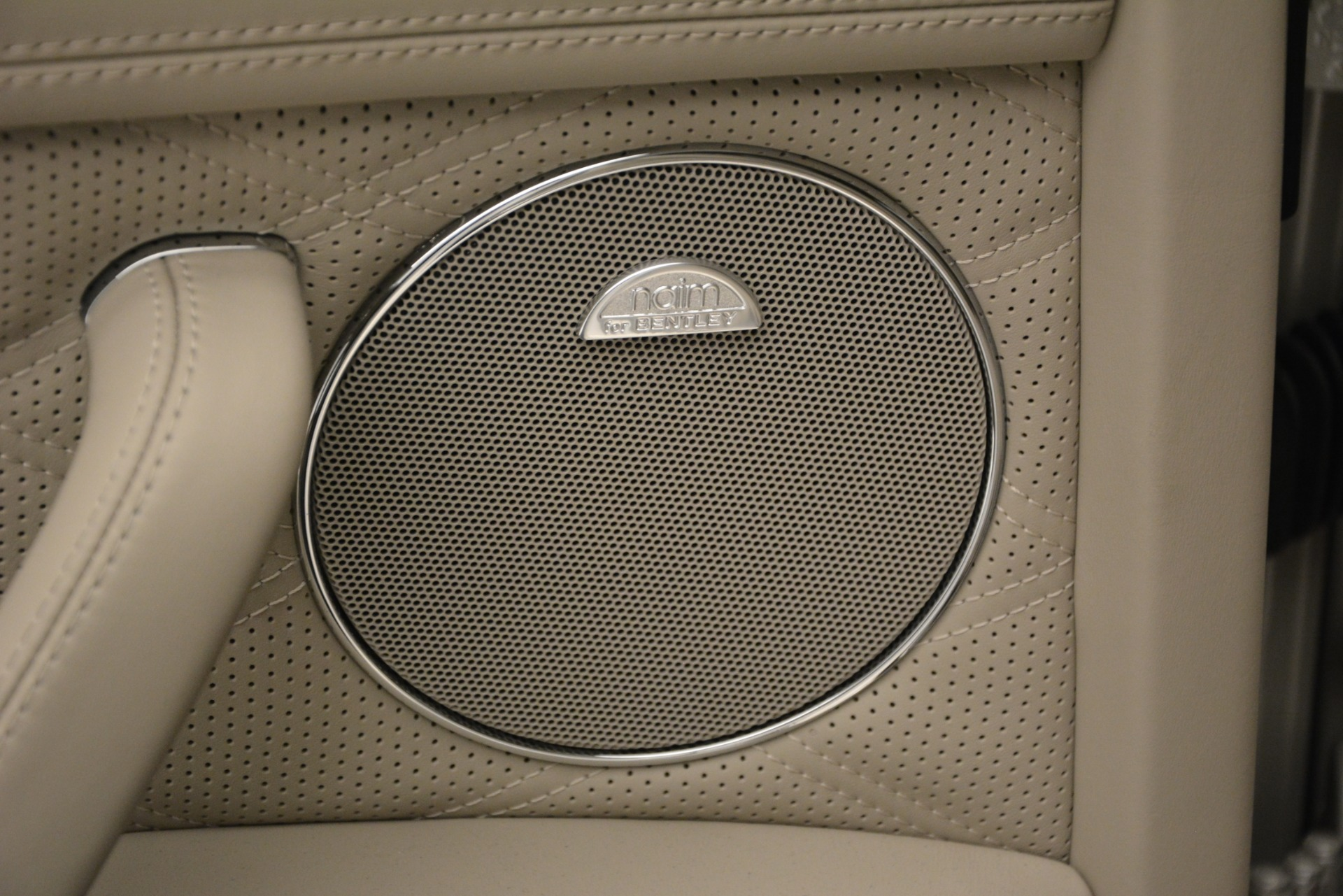 Used 2014 Bentley Flying Spur W12 For Sale In Westport, CT 2624_p16