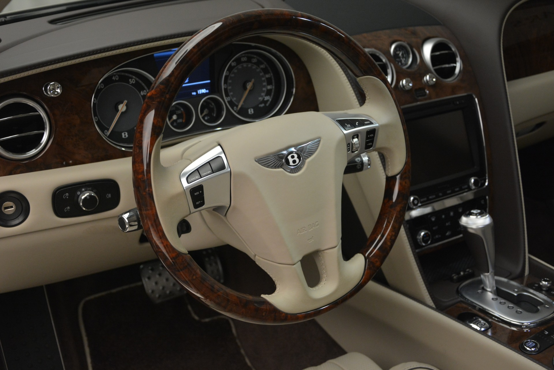 Used 2014 Bentley Flying Spur W12 For Sale In Westport, CT 2624_p21