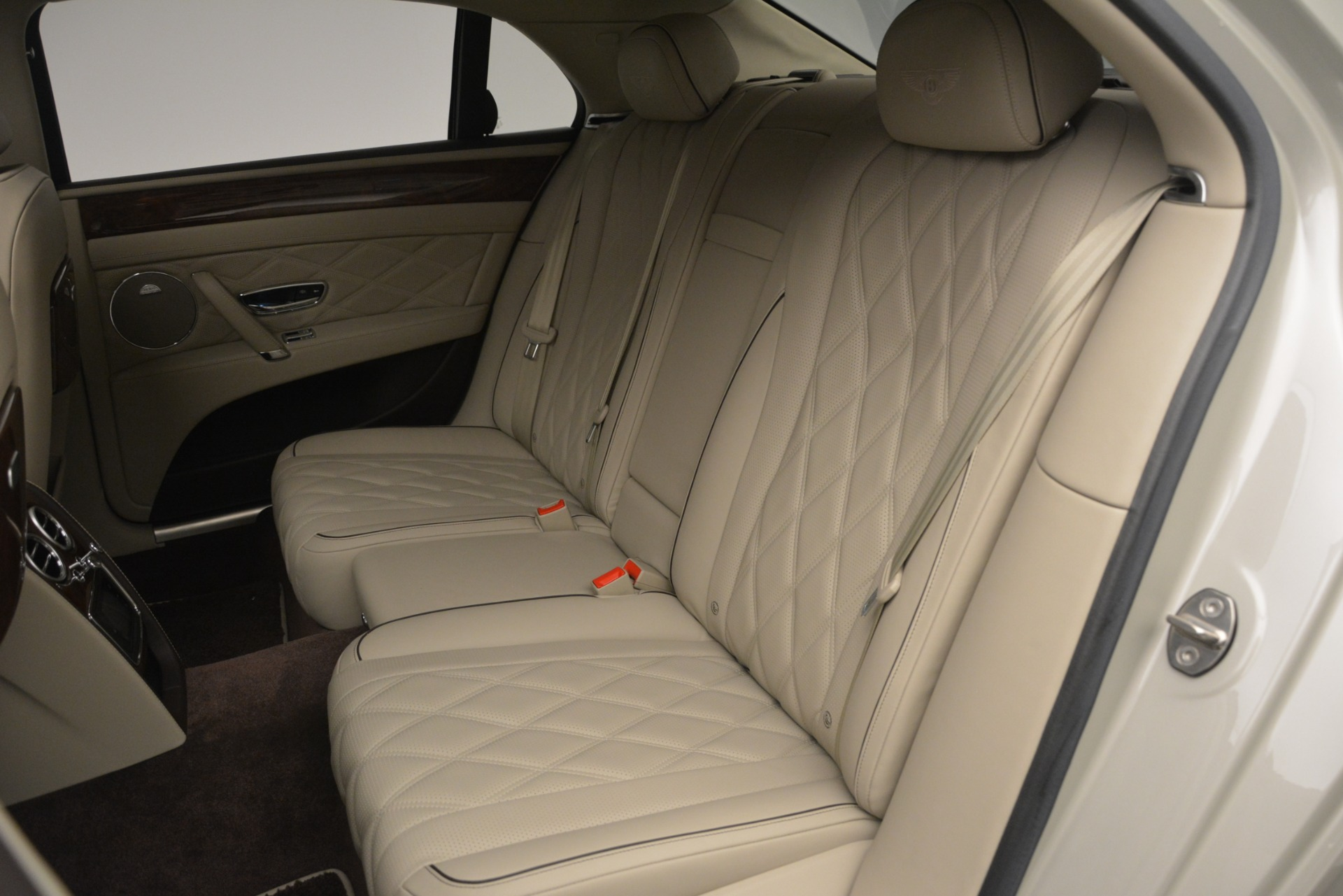 Used 2014 Bentley Flying Spur W12 For Sale In Westport, CT 2624_p25