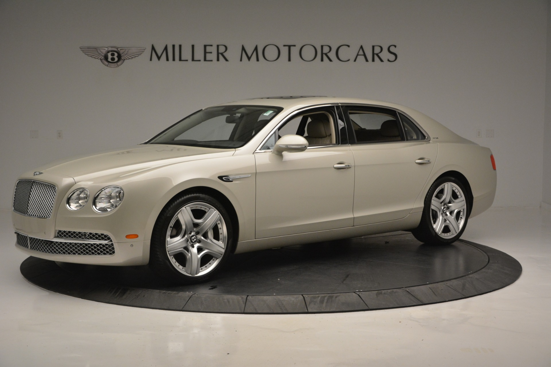 Used 2014 Bentley Flying Spur W12 For Sale In Westport, CT 2624_p2