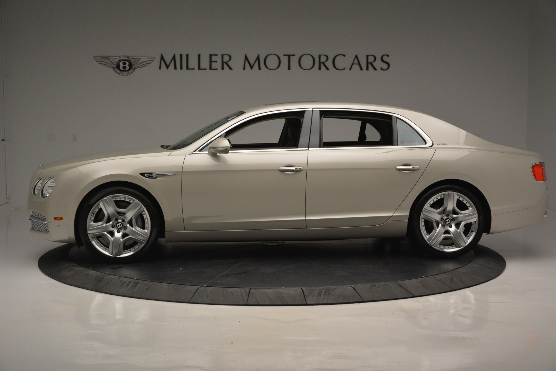 Used 2014 Bentley Flying Spur W12 For Sale In Westport, CT 2624_p3