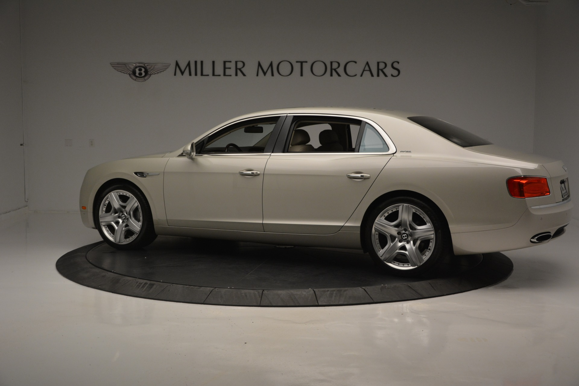 Used 2014 Bentley Flying Spur W12 For Sale In Westport, CT 2624_p4