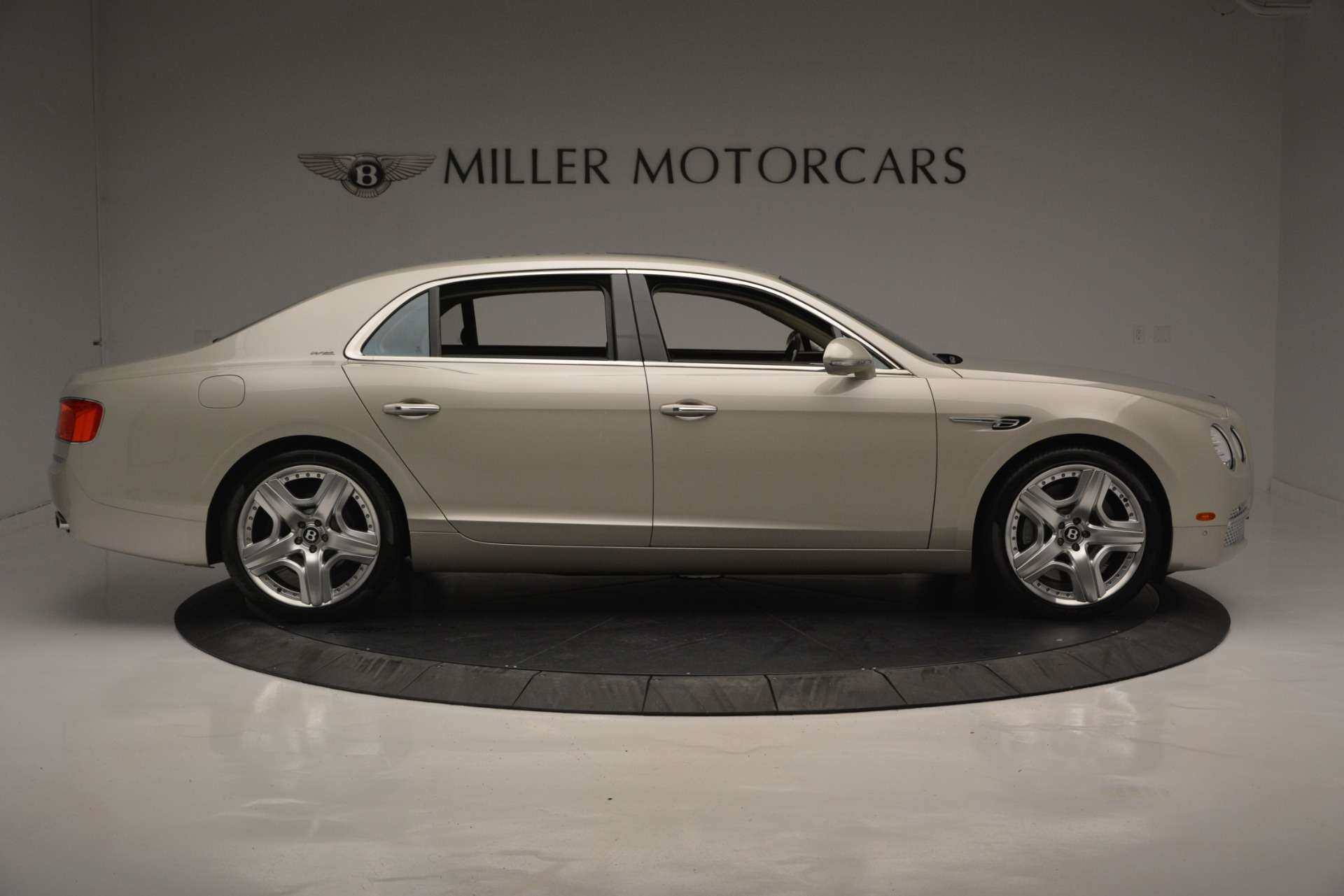 Used 2014 Bentley Flying Spur W12 For Sale In Westport, CT 2624_p9