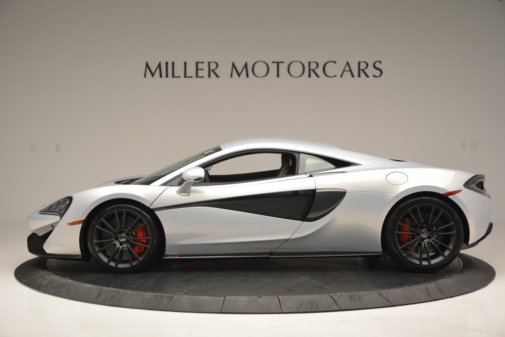 Used 2017 McLaren 570S Coupe For Sale In Westport, CT 2642_p3
