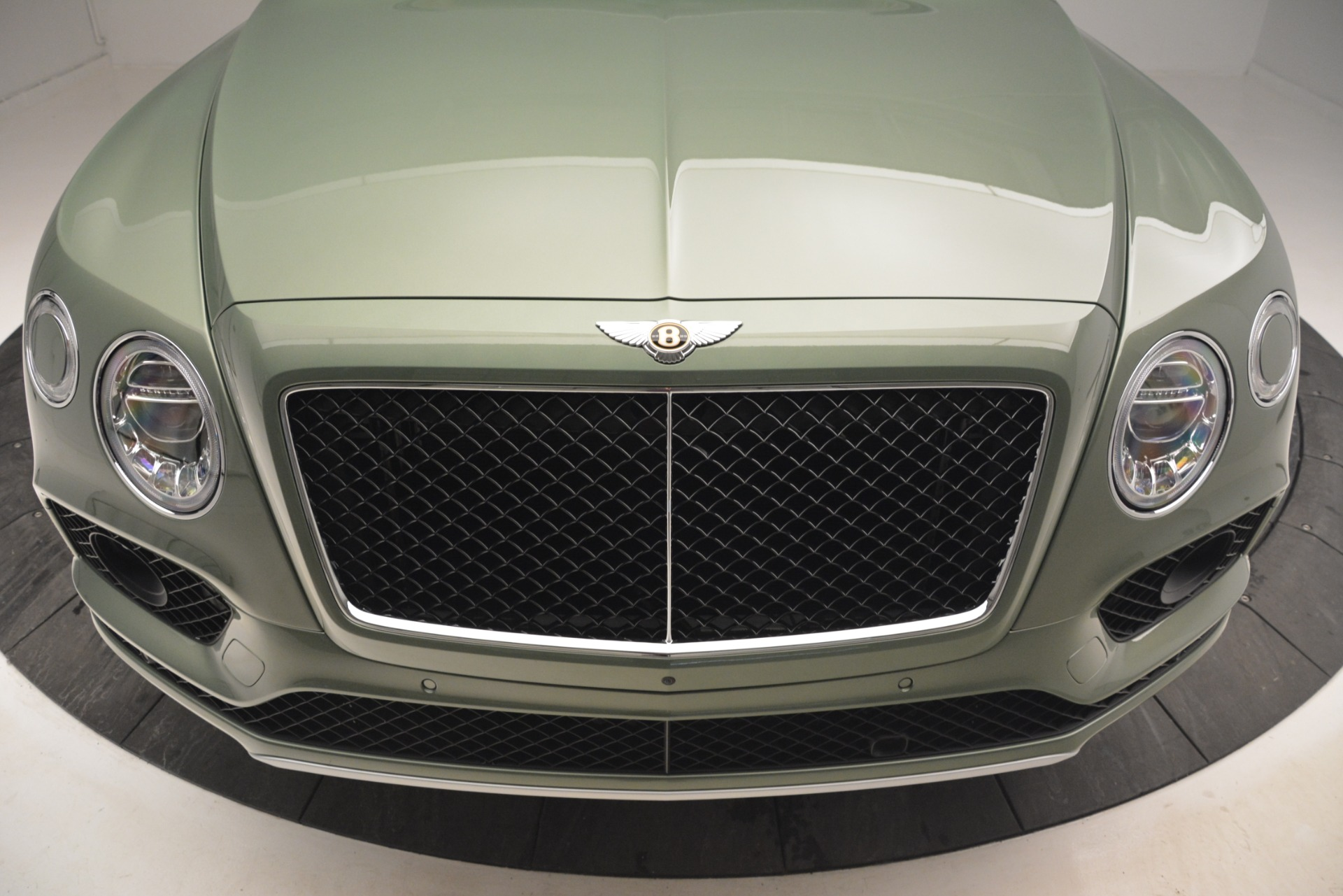 New 2019 Bentley Bentayga V8 For Sale In Westport, CT 2644_p13