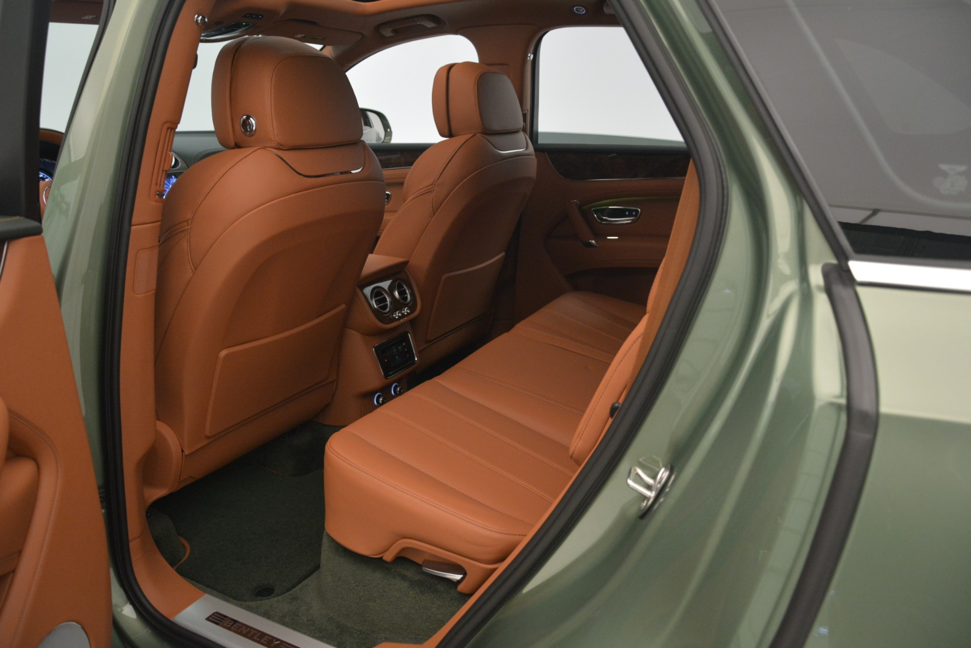 New 2019 Bentley Bentayga V8 For Sale In Westport, CT 2644_p26