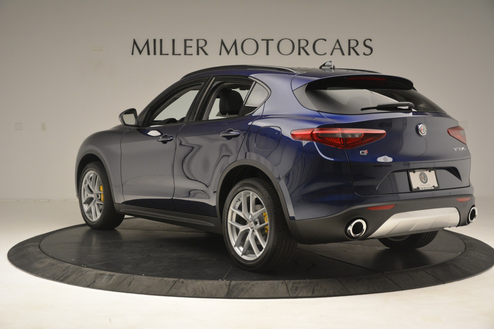 New 2019 Alfa Romeo Stelvio SPORT AWD For Sale In Westport, CT 2652_p5