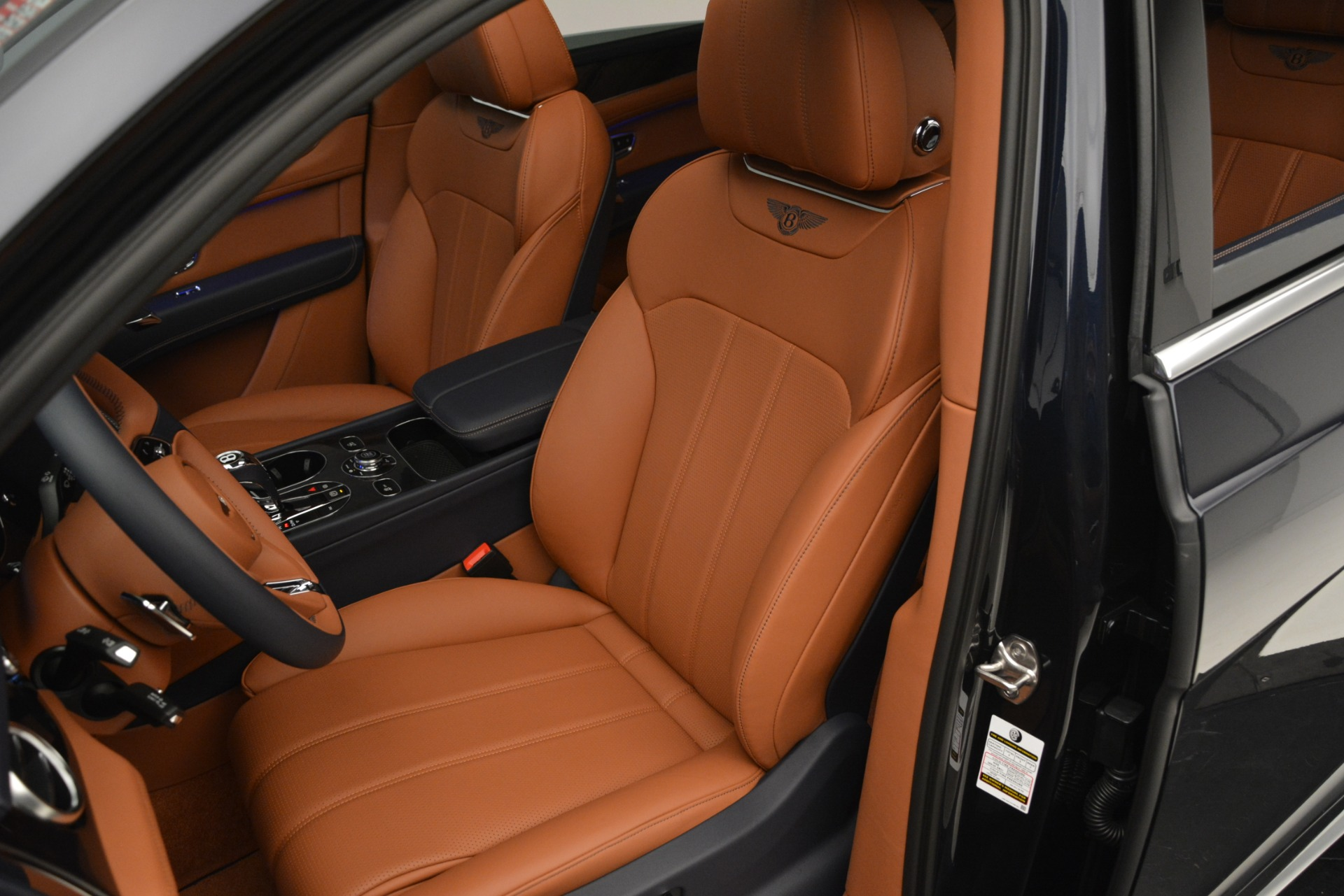 New 2019 Bentley Bentayga V8 For Sale In Westport, CT 2672_p19
