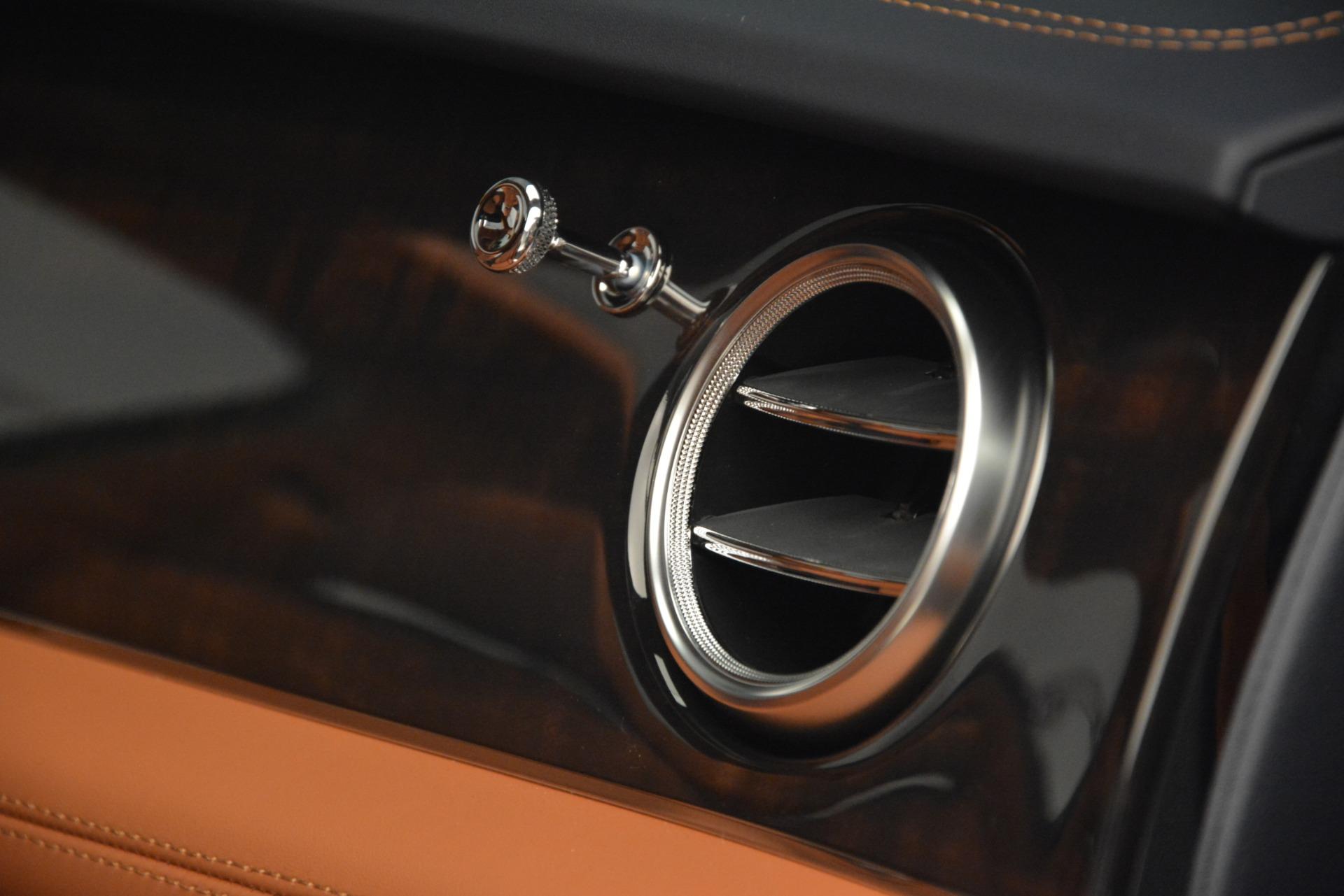 New 2019 Bentley Bentayga V8 For Sale In Westport, CT 2672_p26