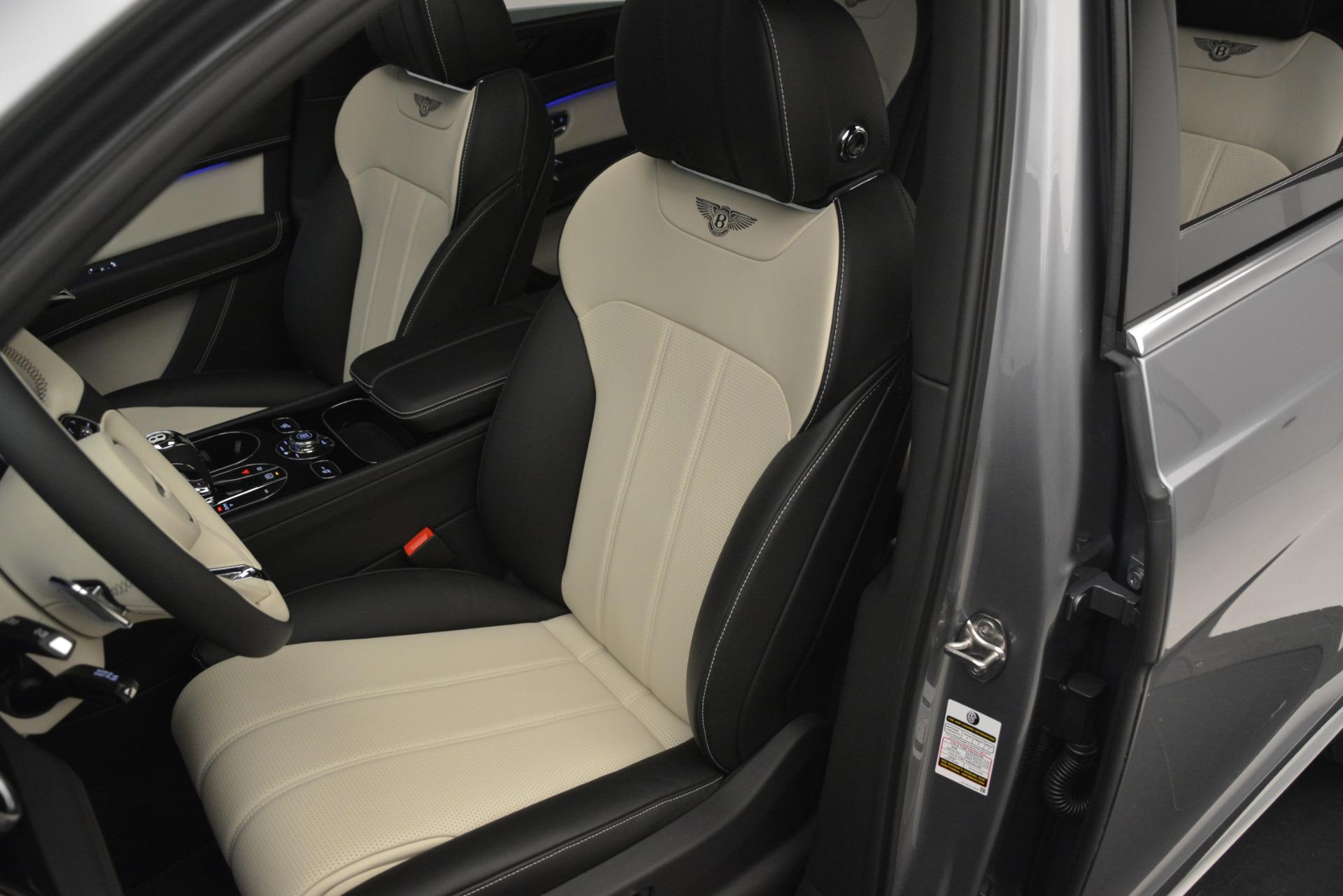 New 2019 Bentley Bentayga V8 For Sale In Westport, CT 2674_p21