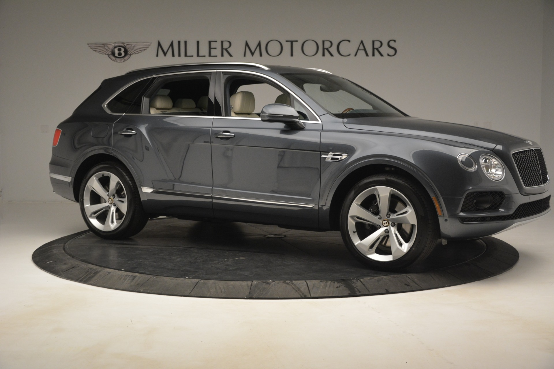 New 2019 Bentley Bentayga V8 For Sale In Westport, CT 2676_p10