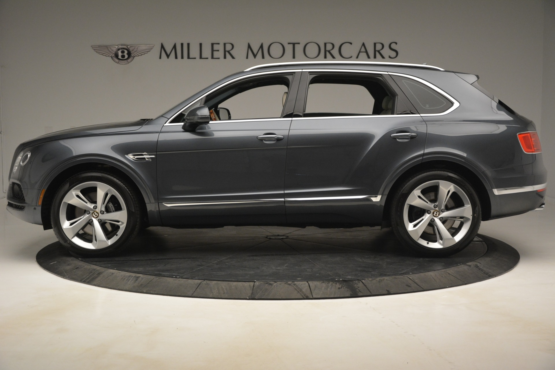 New 2019 Bentley Bentayga V8 For Sale In Westport, CT 2676_p3