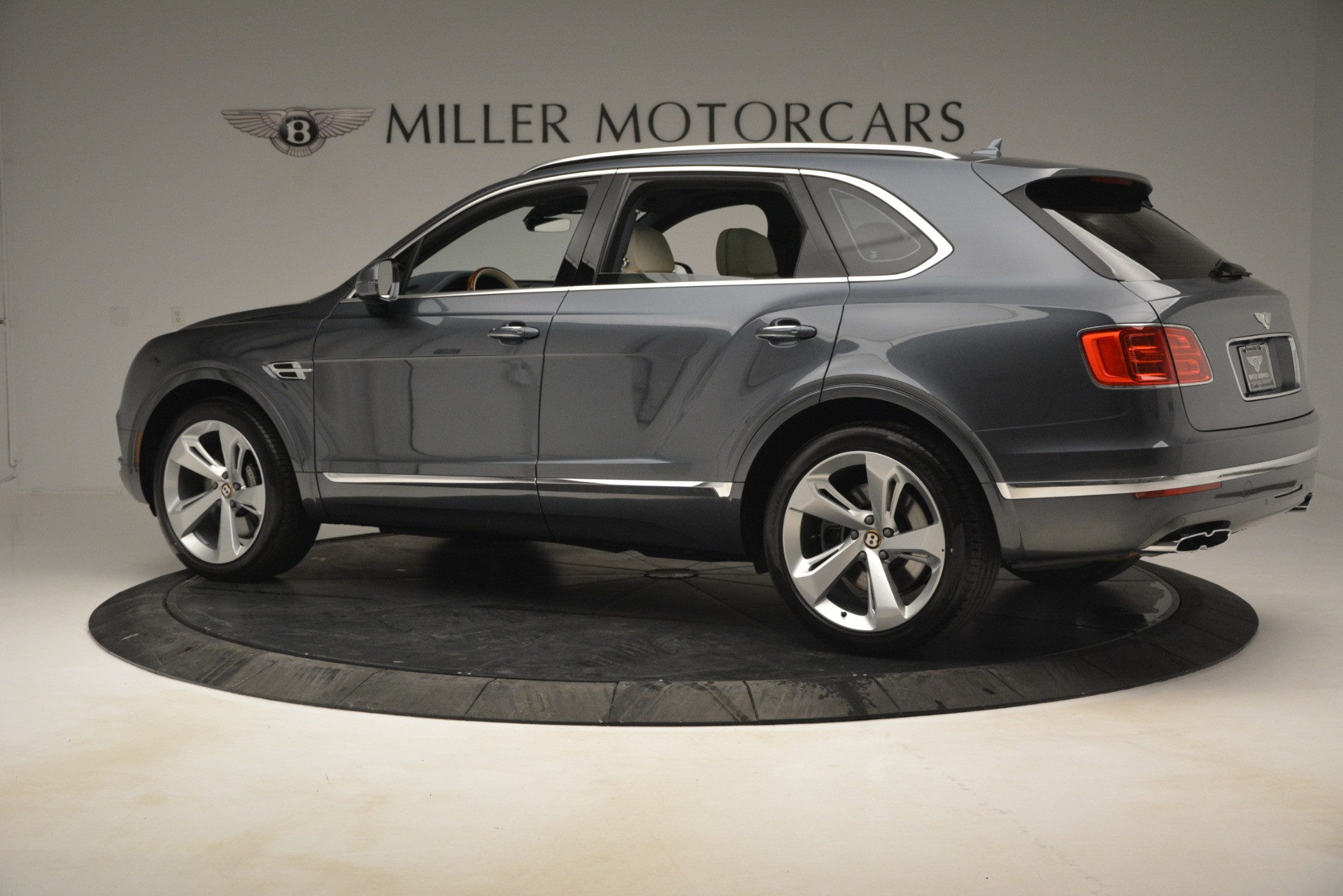 New 2019 Bentley Bentayga V8 For Sale In Westport, CT 2676_p4