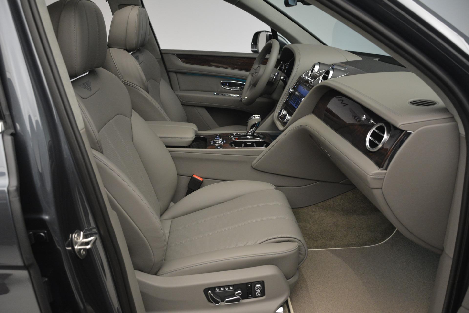New 2019 Bentley Bentayga V8 For Sale In Westport, CT 2700_p27