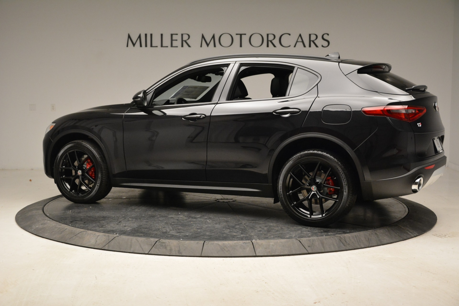 New 2019 Alfa Romeo Stelvio Sport Q4 For Sale In Westport, CT 2705_p4
