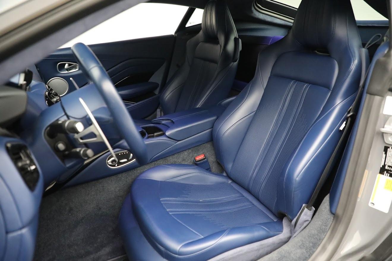 New 2019 Aston Martin Vantage  For Sale In Westport, CT 2710_p16