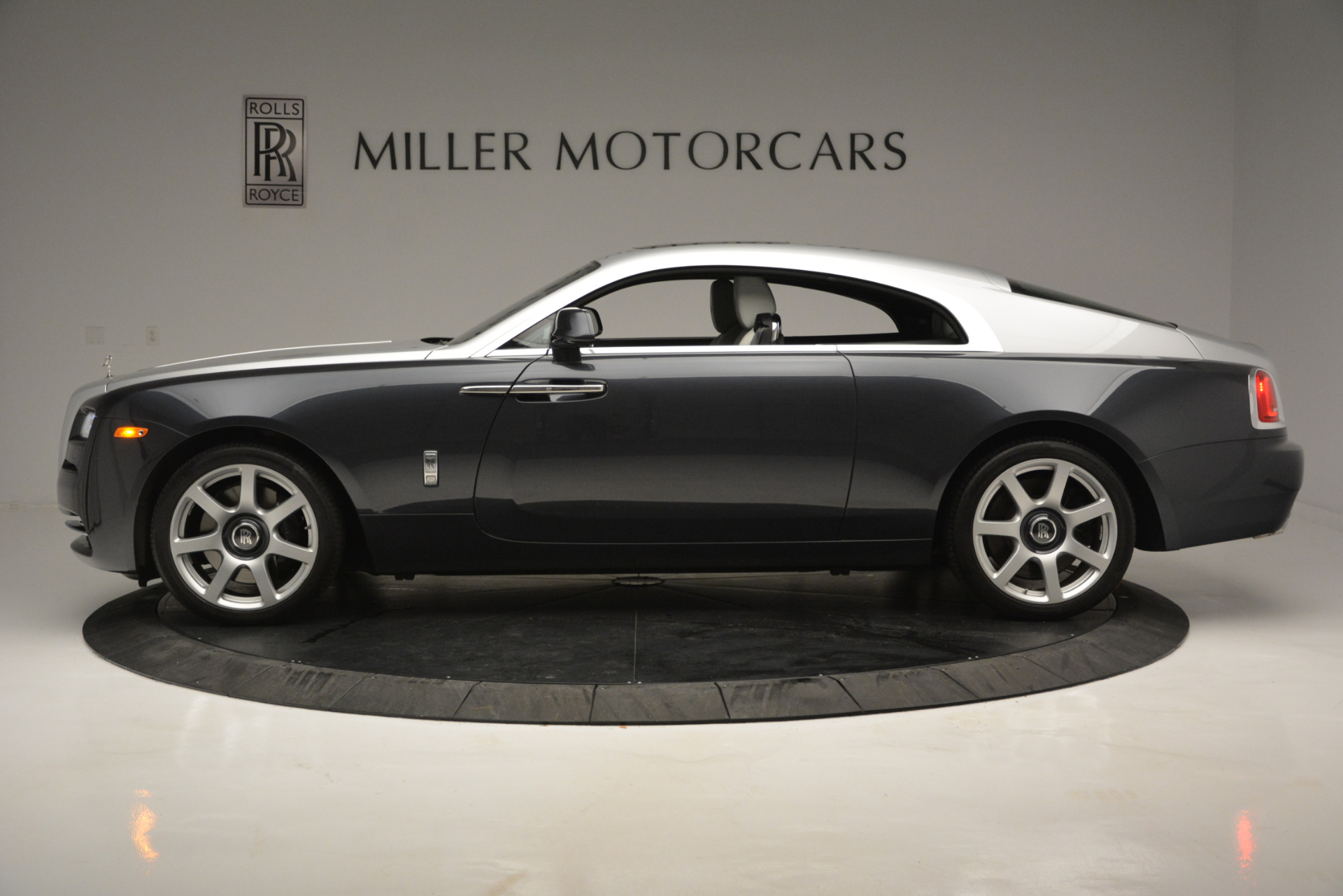 Used 2015 Rolls-Royce Wraith  For Sale In Westport, CT 2716_p2